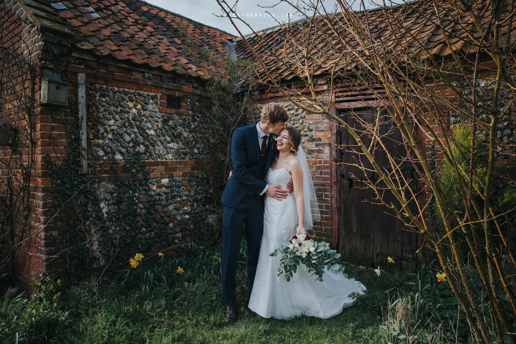 Glebe_Farm_Barn_Rustic_Norfolk_Wedding_Esther_Wild_Photographer_Copyright_IMG_1661.jpg