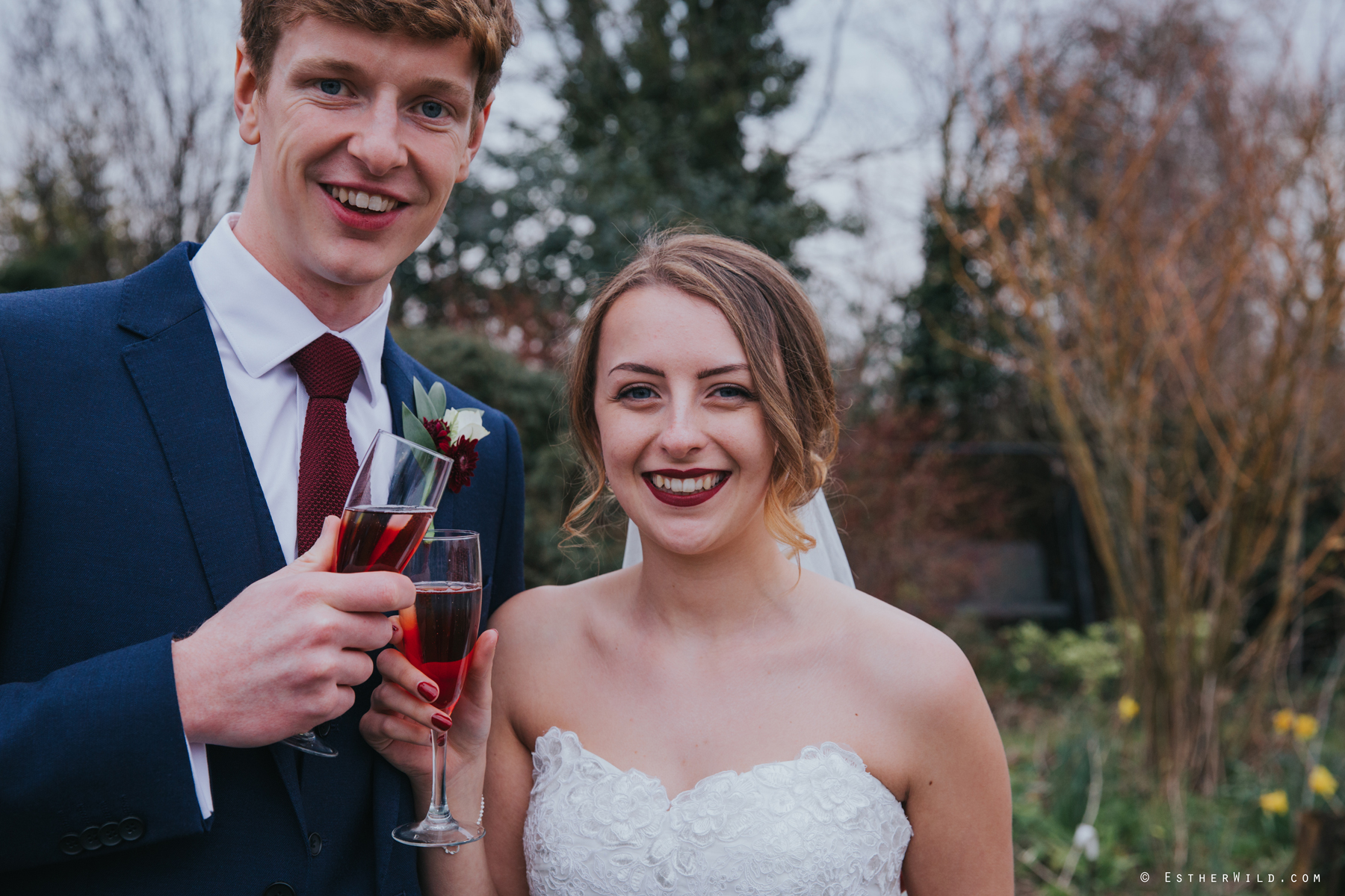 Glebe_Farm_Barn_Rustic_Norfolk_Wedding_Esther_Wild_Photographer_Copyright_IMG_2080.jpg
