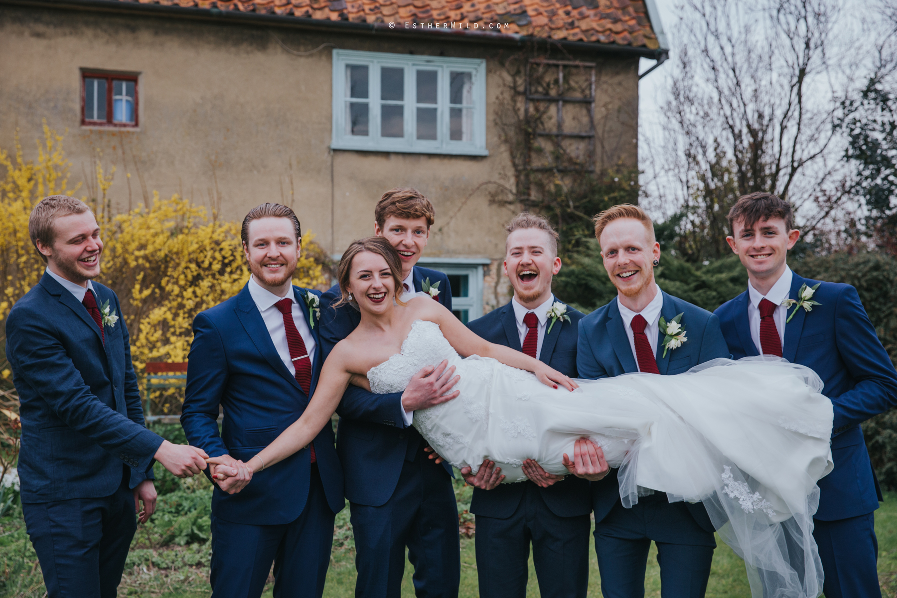 Glebe_Farm_Barn_Rustic_Norfolk_Wedding_Esther_Wild_Photographer_Copyright_IMG_2020.jpg