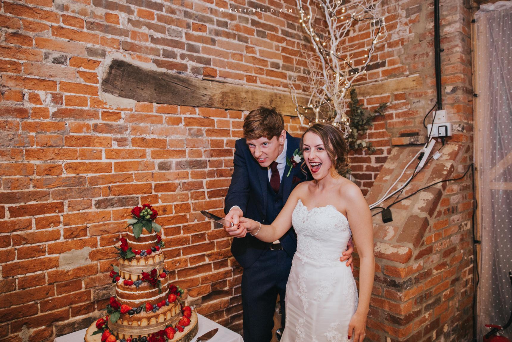 Glebe_Farm_Barn_Rustic_Norfolk_Wedding_Esther_Wild_Photographer_Copyright_IMG_2777.jpg