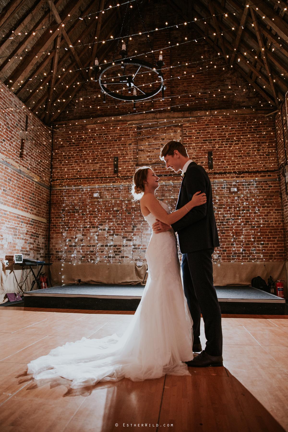 Glebe_Farm_Barn_Rustic_Norfolk_Wedding_Esther_Wild_Photographer_Copyright_IMG_2844.jpg