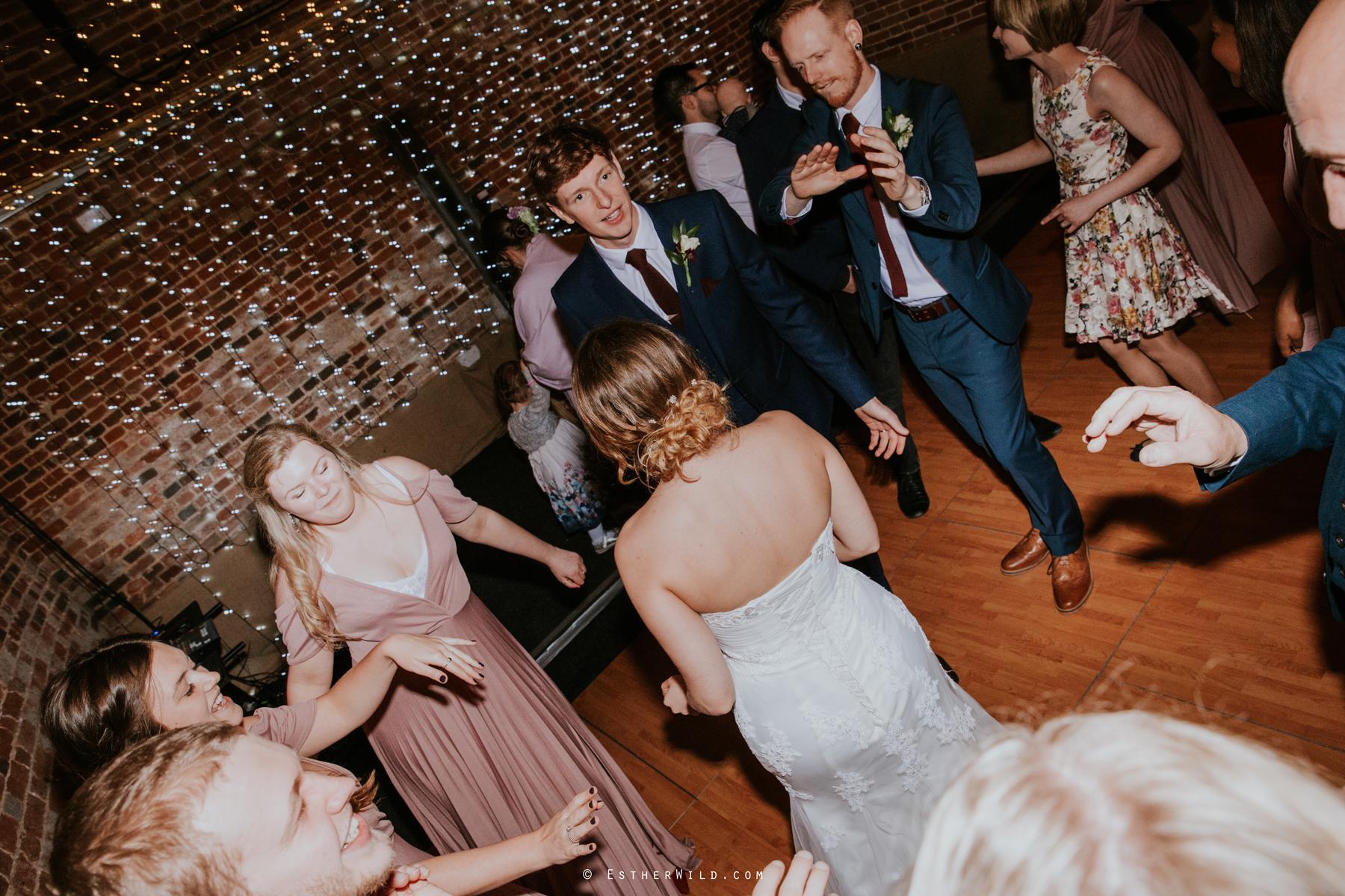 Glebe_Farm_Barn_Rustic_Norfolk_Wedding_Esther_Wild_Photographer_Copyright_IMG_2954.jpg
