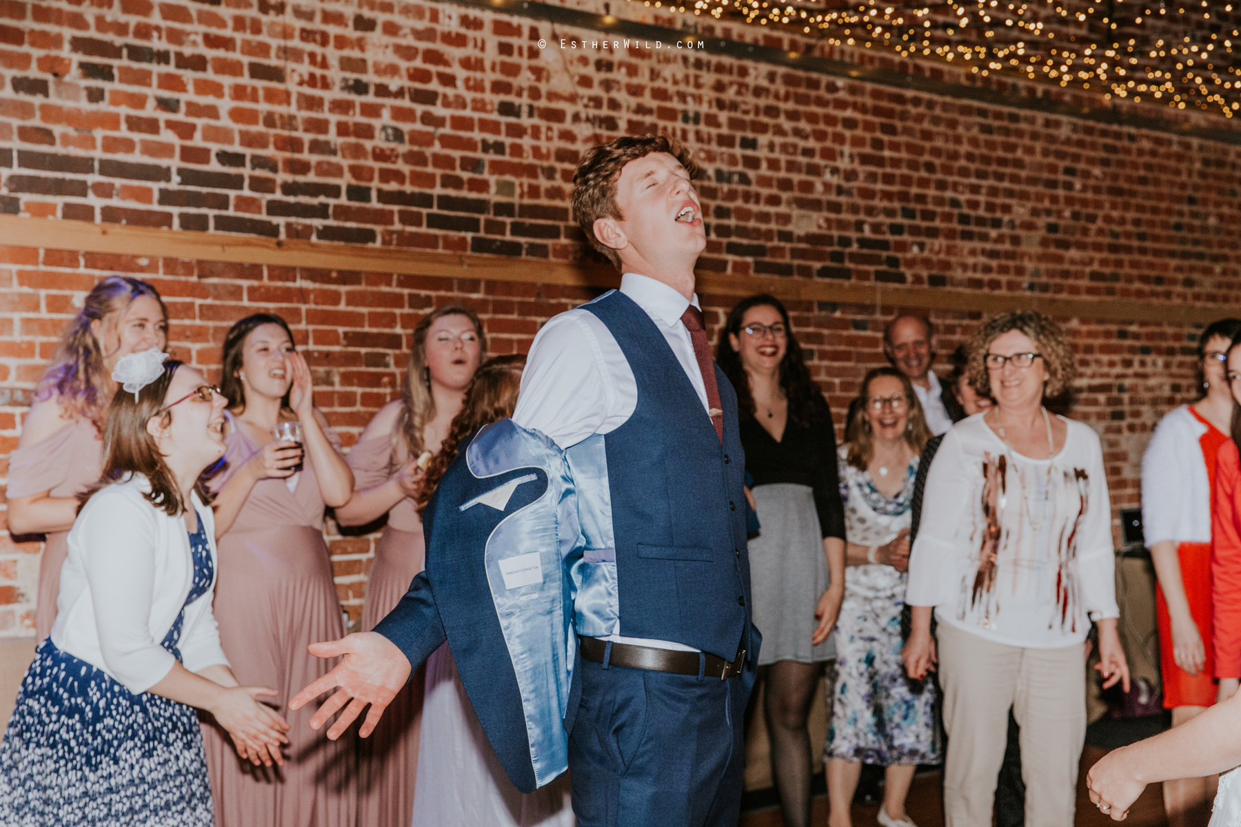Glebe_Farm_Barn_Rustic_Norfolk_Wedding_Esther_Wild_Photographer_Copyright_IMG_3184.jpg