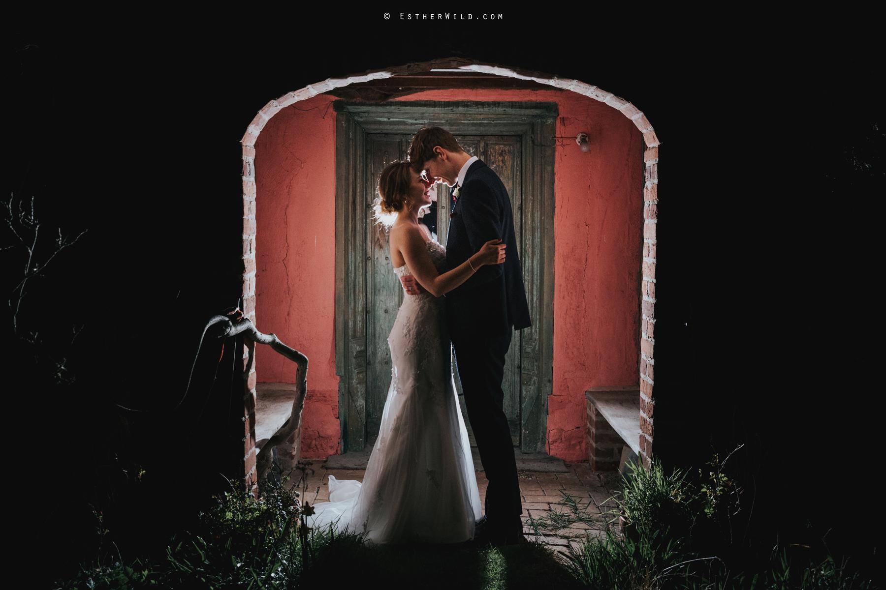 Glebe_Farm_Barn_Rustic_Norfolk_Wedding_Esther_Wild_Photographer_Copyright_IMG_3314.jpg