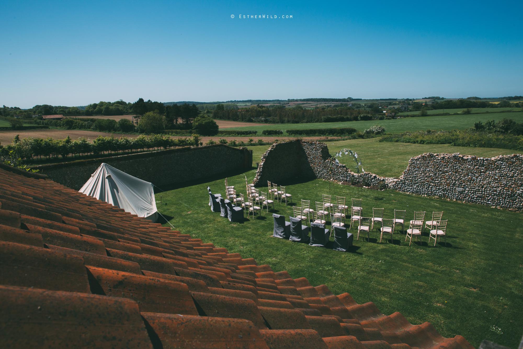 IMG_0113Cley_Barn_Drift_Norfolk_Coast_Wedding_Copyright_Esther_Wild_Photographer_.jpg
