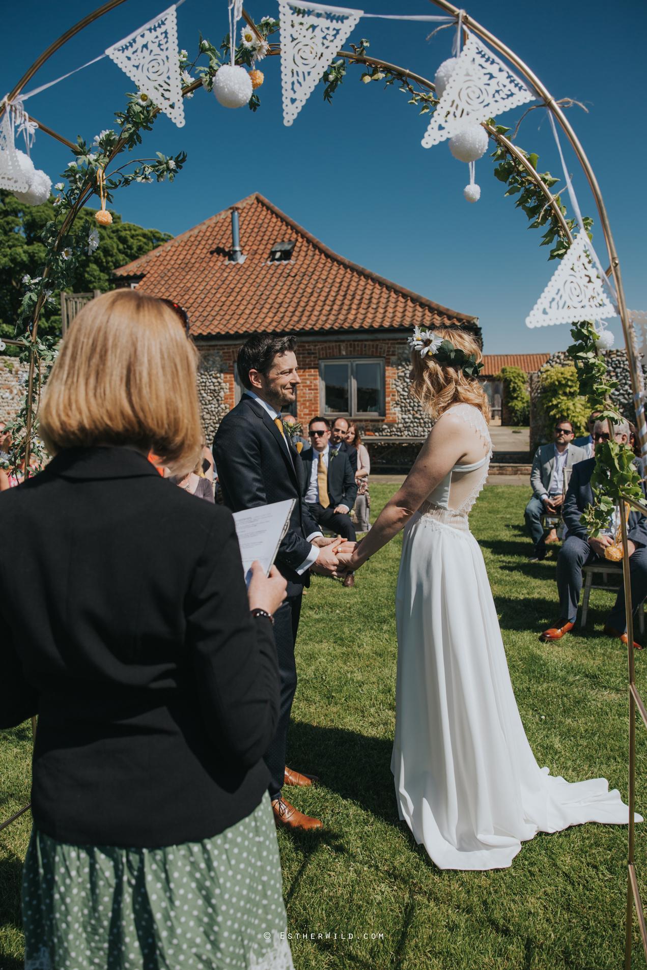 IMG_0510Cley_Barn_Drift_Norfolk_Coast_Wedding_Copyright_Esther_Wild_Photographer_.jpg