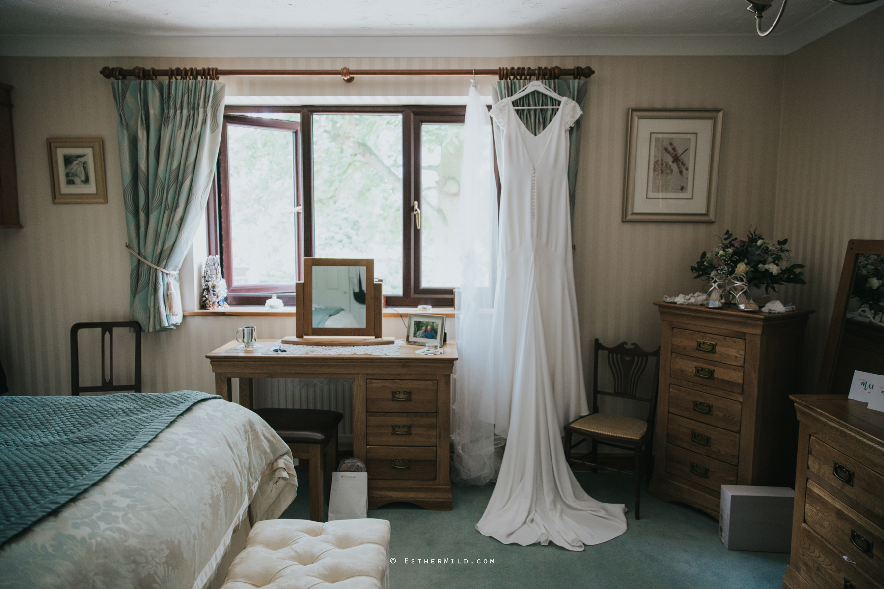 Wootton_Wedding_Copyright_Esther_Wild_Photographer_IMG_0053.jpg
