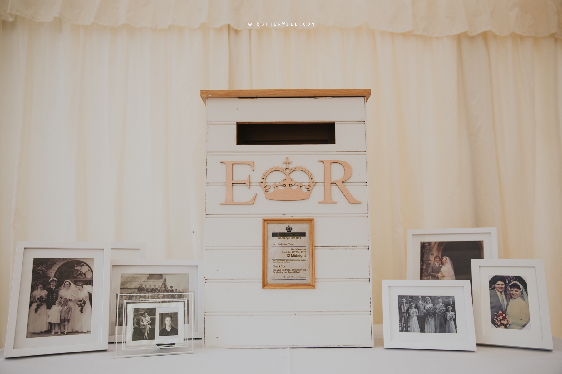 Wootton_Wedding_Copyright_Esther_Wild_Photographer_IMG_0317.jpg