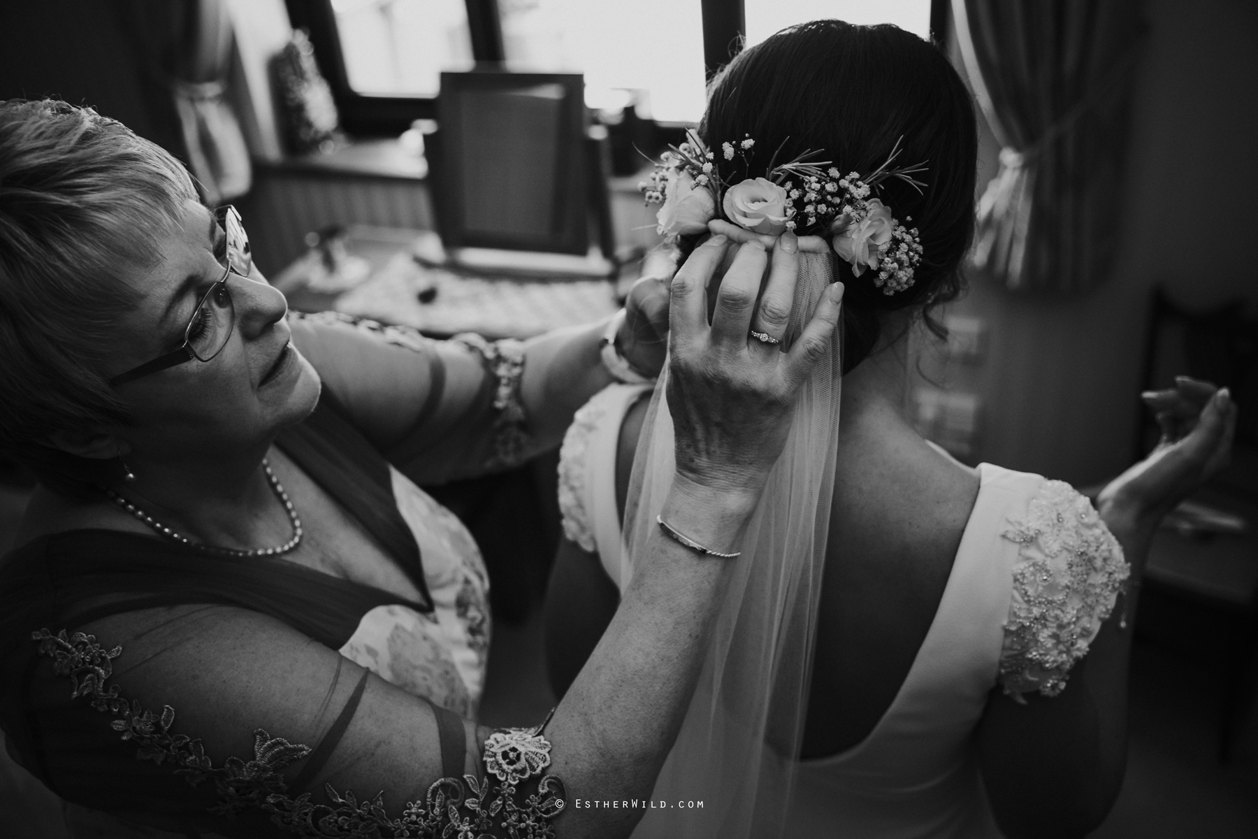 Wootton_Wedding_Copyright_Esther_Wild_Photographer_IMG_0561-2.jpg