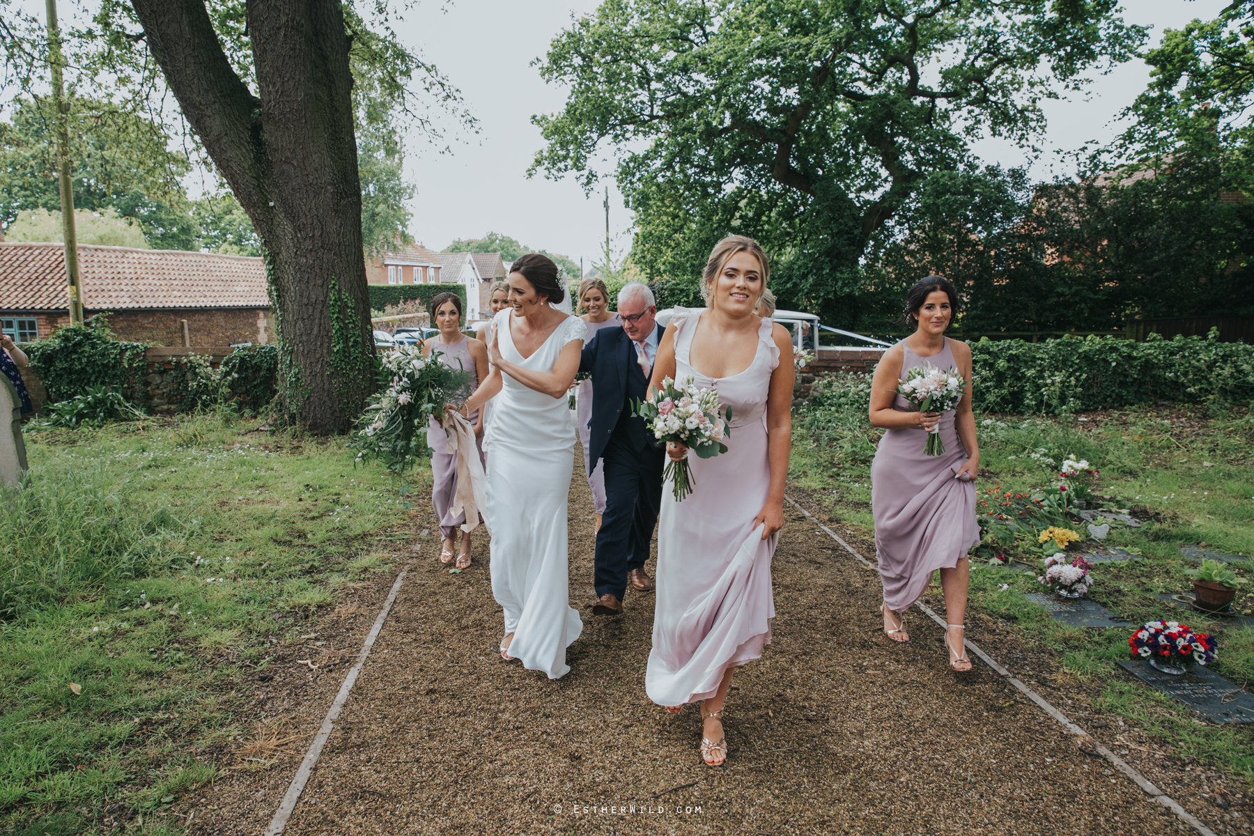 Wootton_Wedding_Copyright_Esther_Wild_Photographer_IMG_0811.jpg