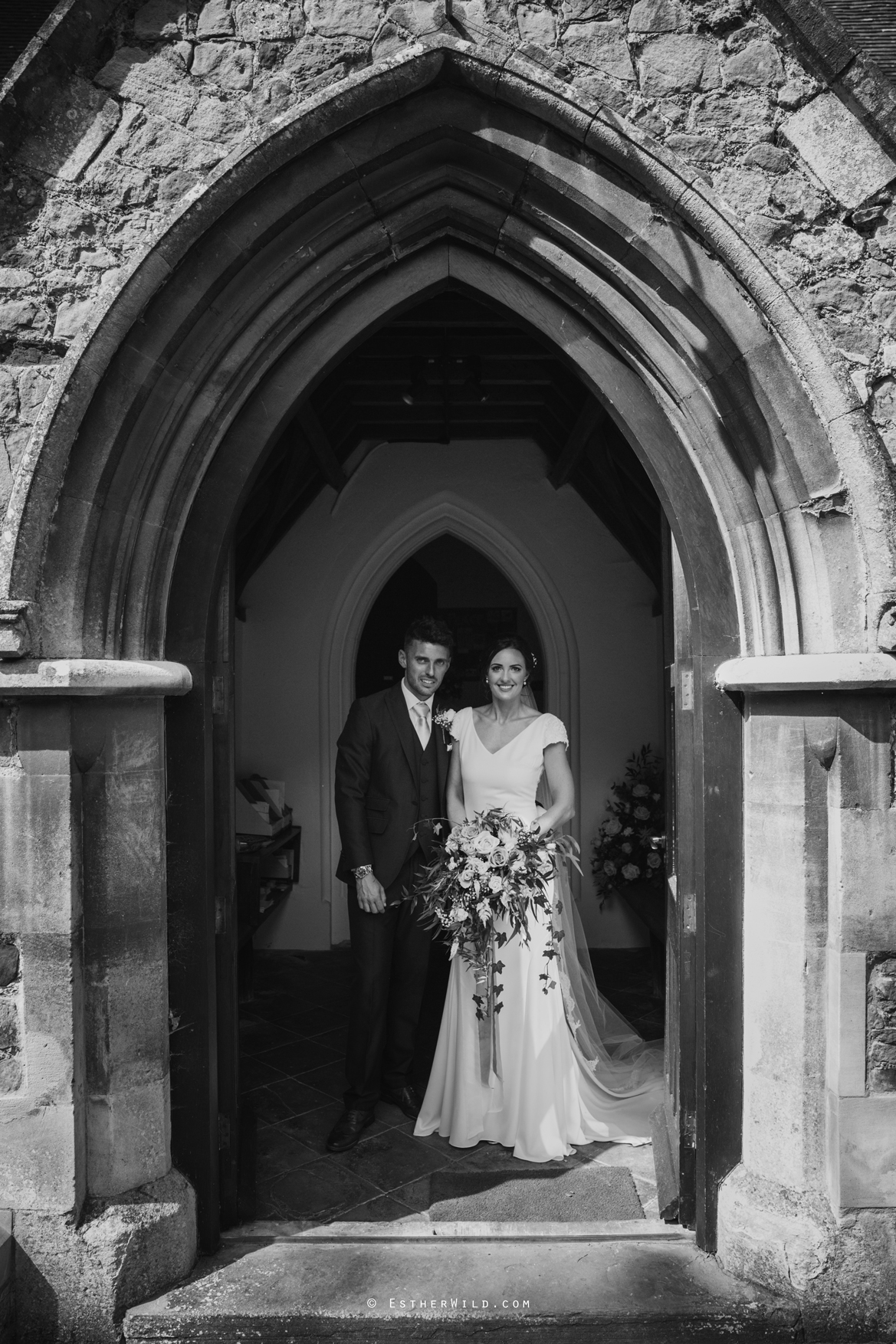 Wootton_Wedding_Copyright_Esther_Wild_Photographer_IMG_1465-1.jpg
