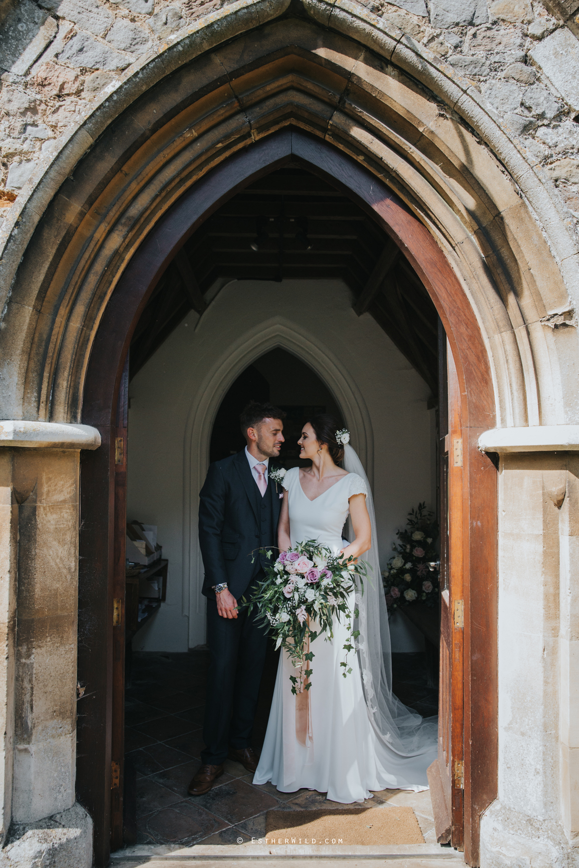 Wootton_Wedding_Copyright_Esther_Wild_Photographer_IMG_1469.jpg