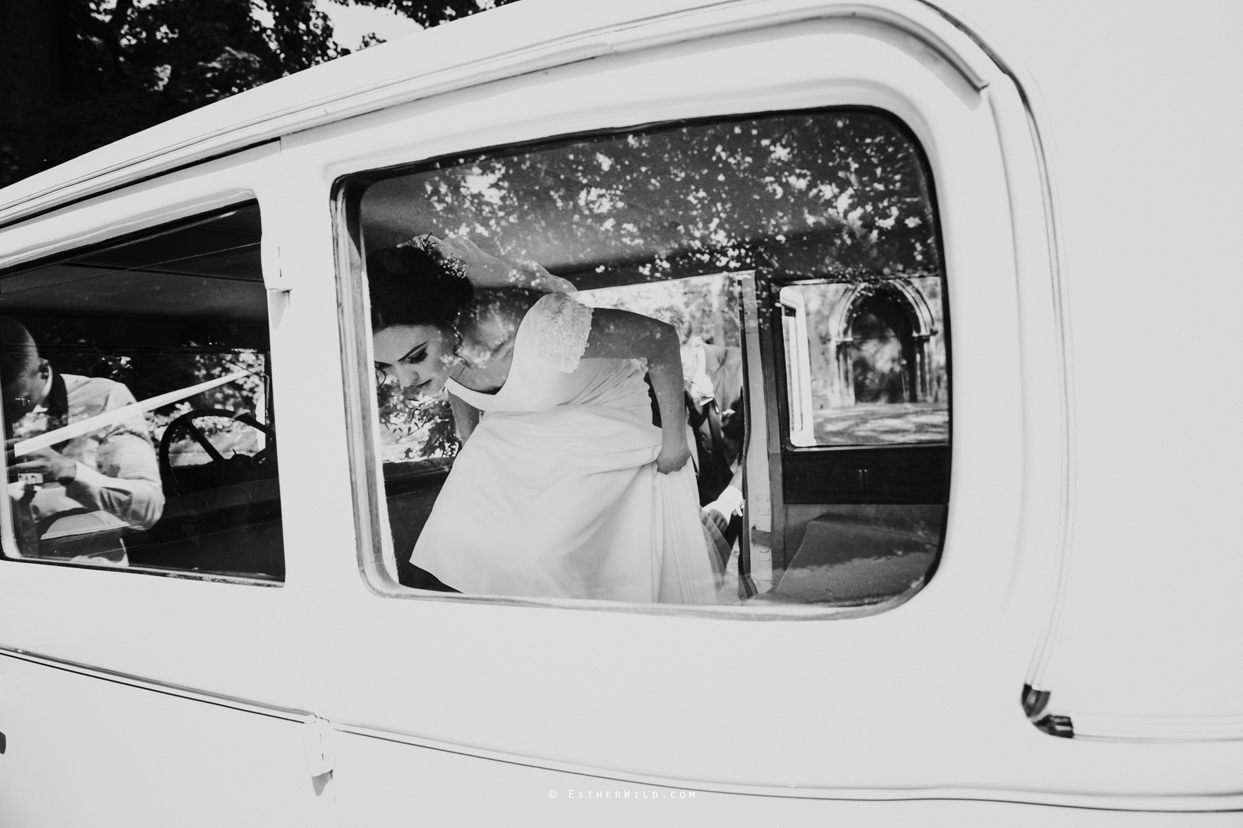 Wootton_Wedding_Copyright_Esther_Wild_Photographer_IMG_1503-2.jpg
