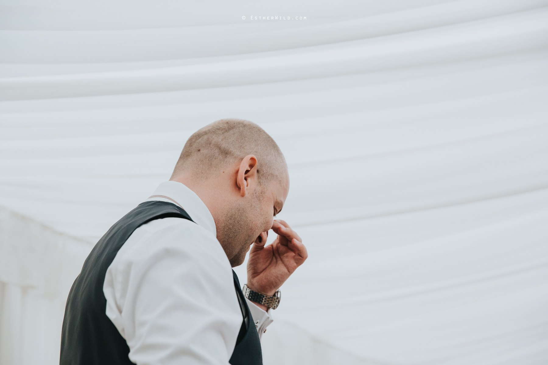Wootton_Wedding_Copyright_Esther_Wild_Photographer_IMG_2954.jpg