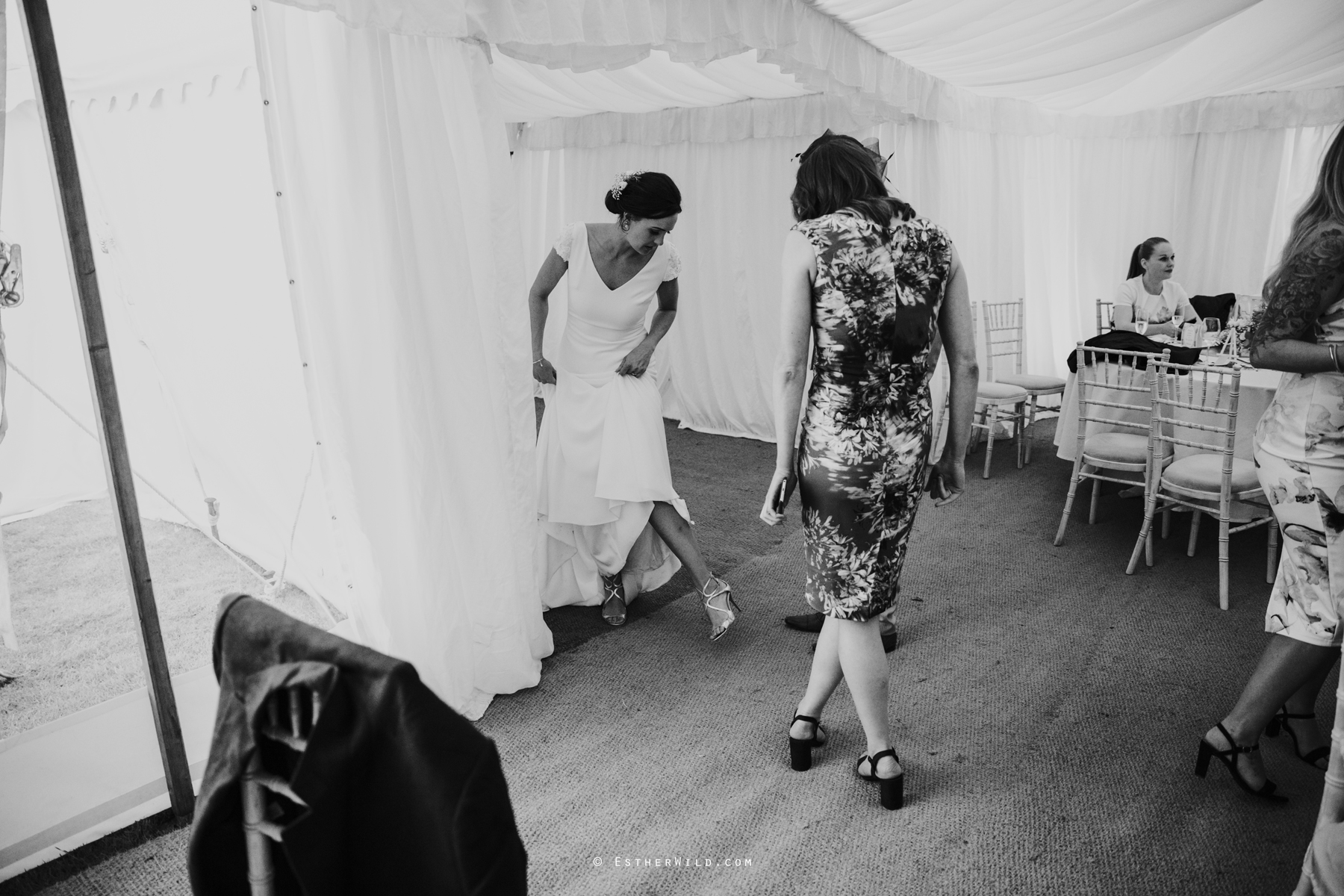 Wootton_Wedding_Copyright_Esther_Wild_Photographer_IMG_3077.jpg