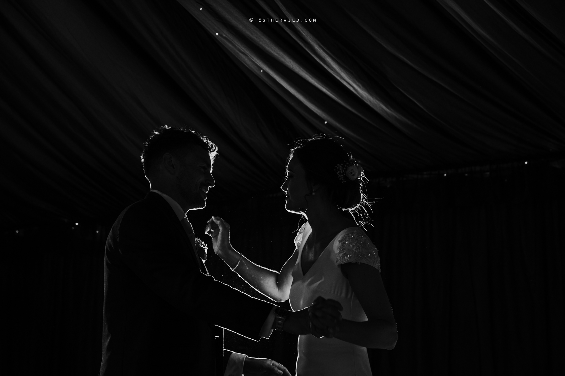 Wootton_Wedding_Copyright_Esther_Wild_Photographer_IMG_3209.jpg