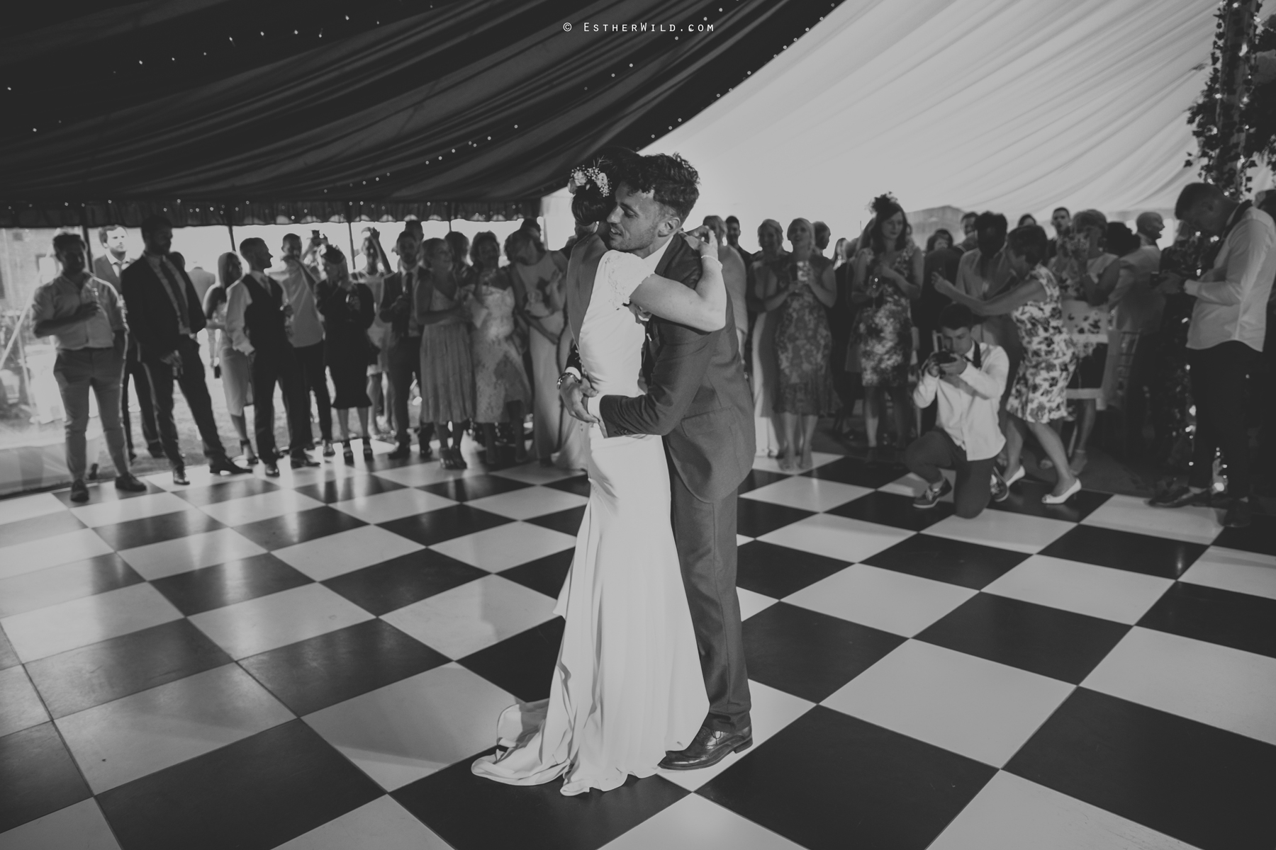 Wootton_Wedding_Copyright_Esther_Wild_Photographer_IMG_3227.jpg