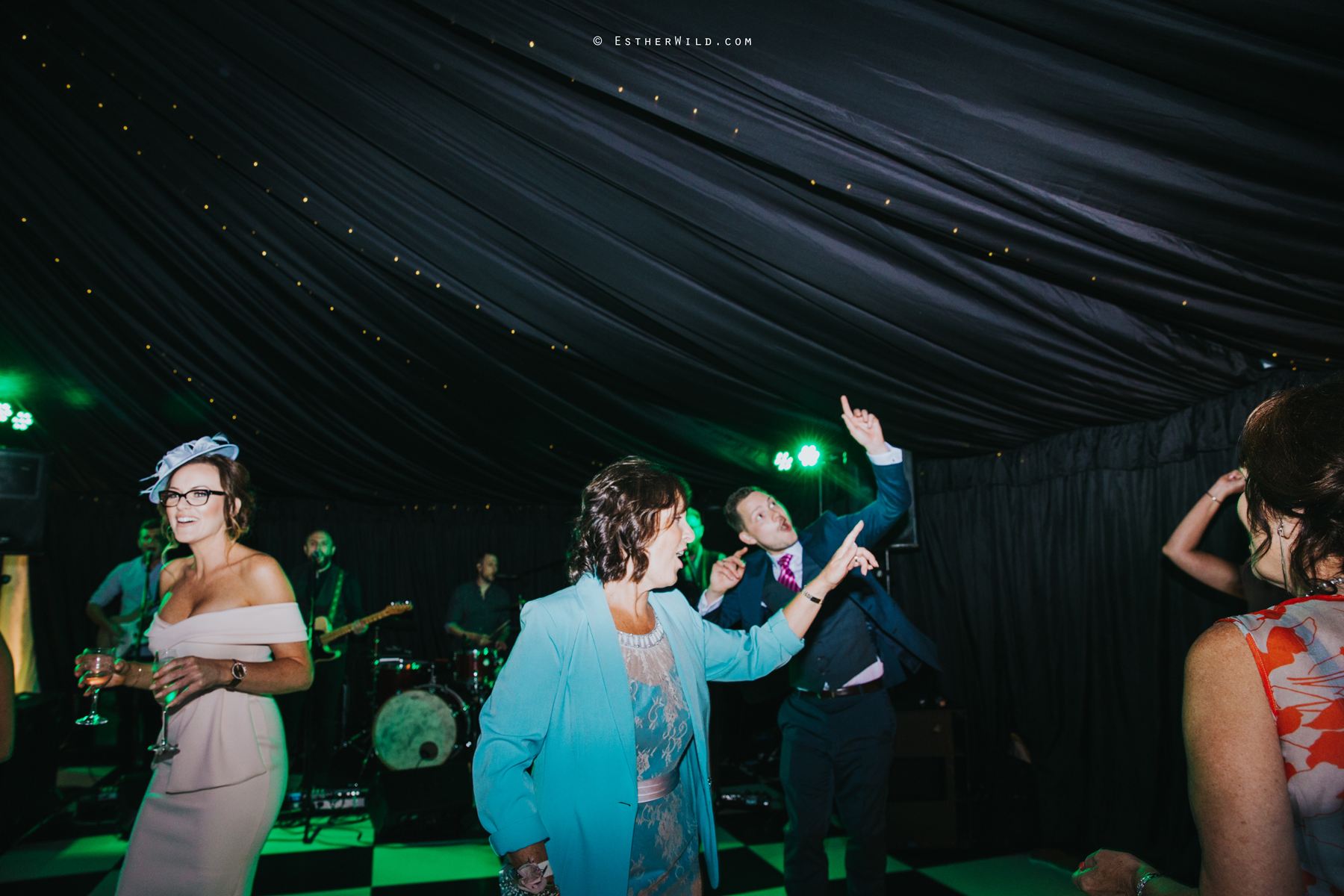 Wootton_Wedding_Copyright_Esther_Wild_Photographer_IMG_3551.jpg