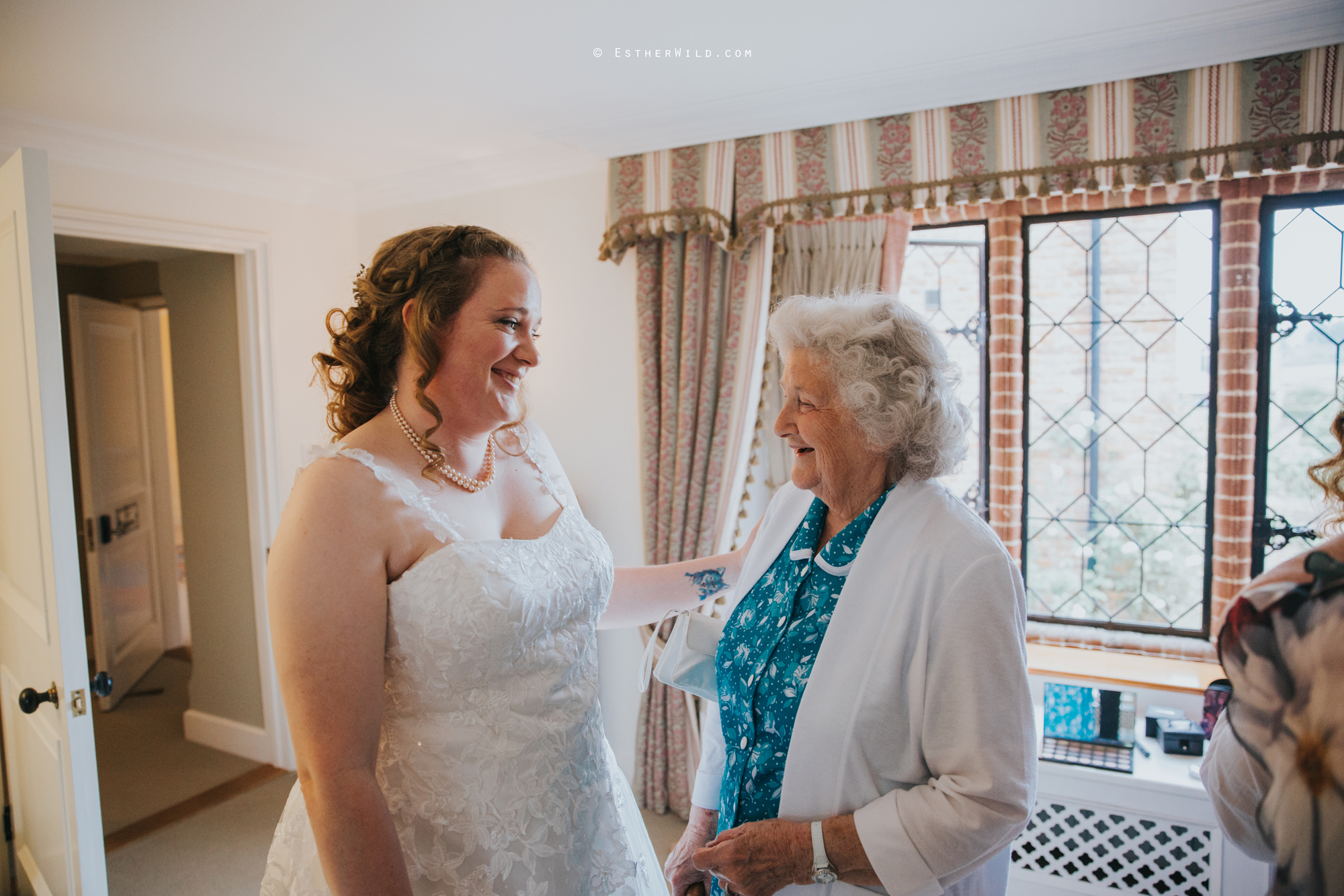 Old_Hall_Ely_Wedding_Esther_Wild_Photographer_IMG_0715.jpg