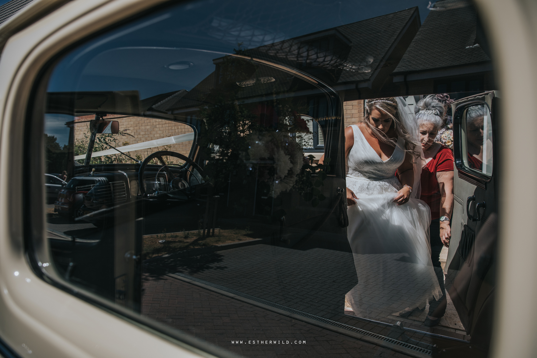 Swaffham_Wedding_Castle_Acre_Norfolk_Esther_Wild_Photographer_Wedding_Photography_3R8A0521.jpg