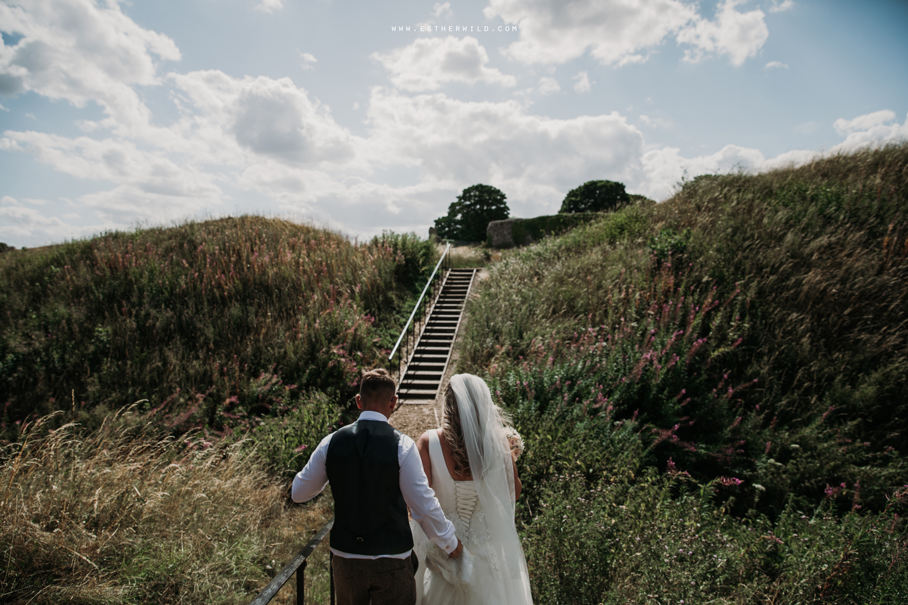 Swaffham_Wedding_Castle_Acre_Norfolk_Esther_Wild_Photographer_Wedding_Photography_3R8A1352.jpg