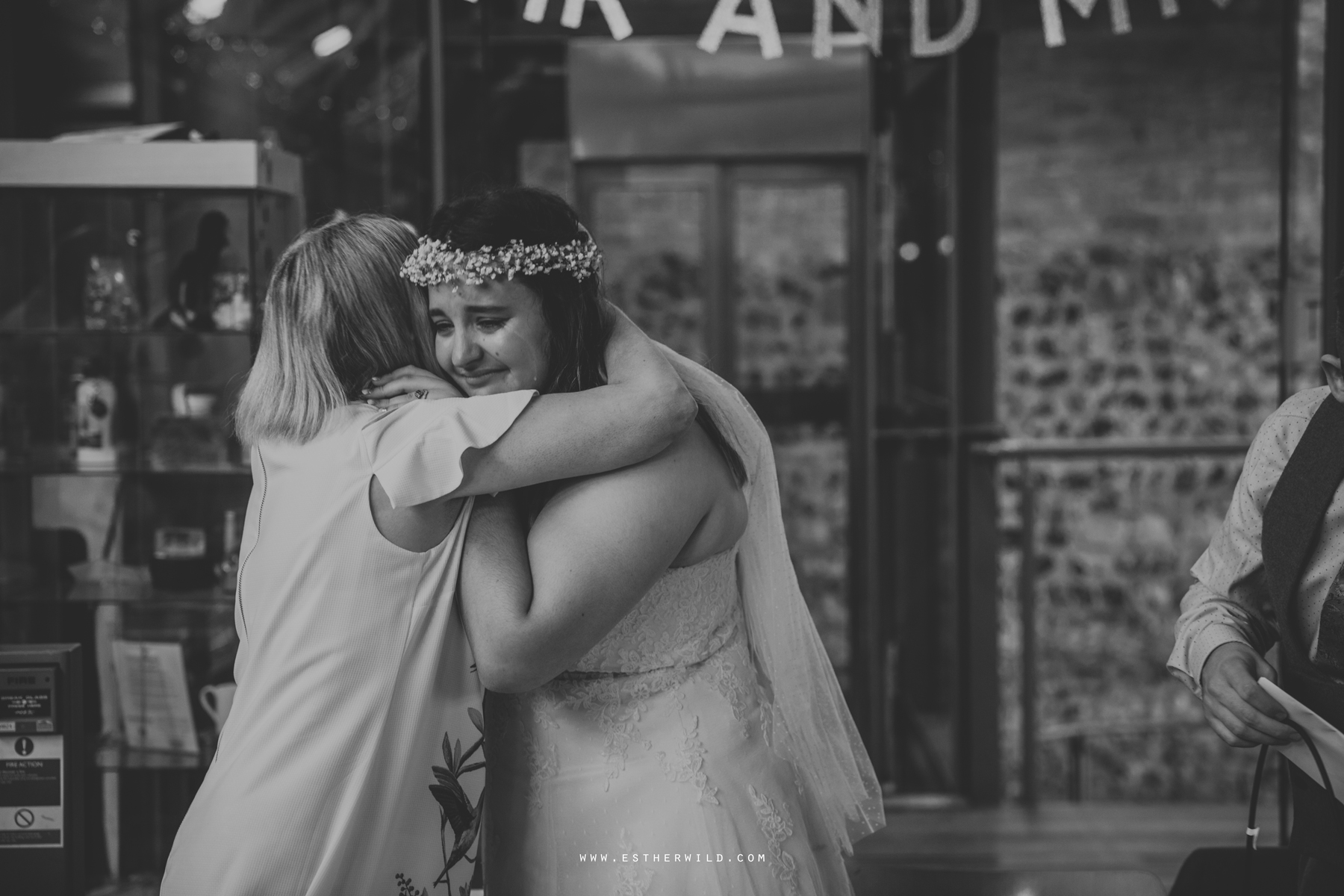 Norwich_Castle_Arcade_Grosvenor_Chip_Birdcage_Cathedral_Cloisters_Refectory_Wedding_Photography_Esther_Wild_Photographer_Norfolk_Kings_Lynn_3R8A2561-2.jpg