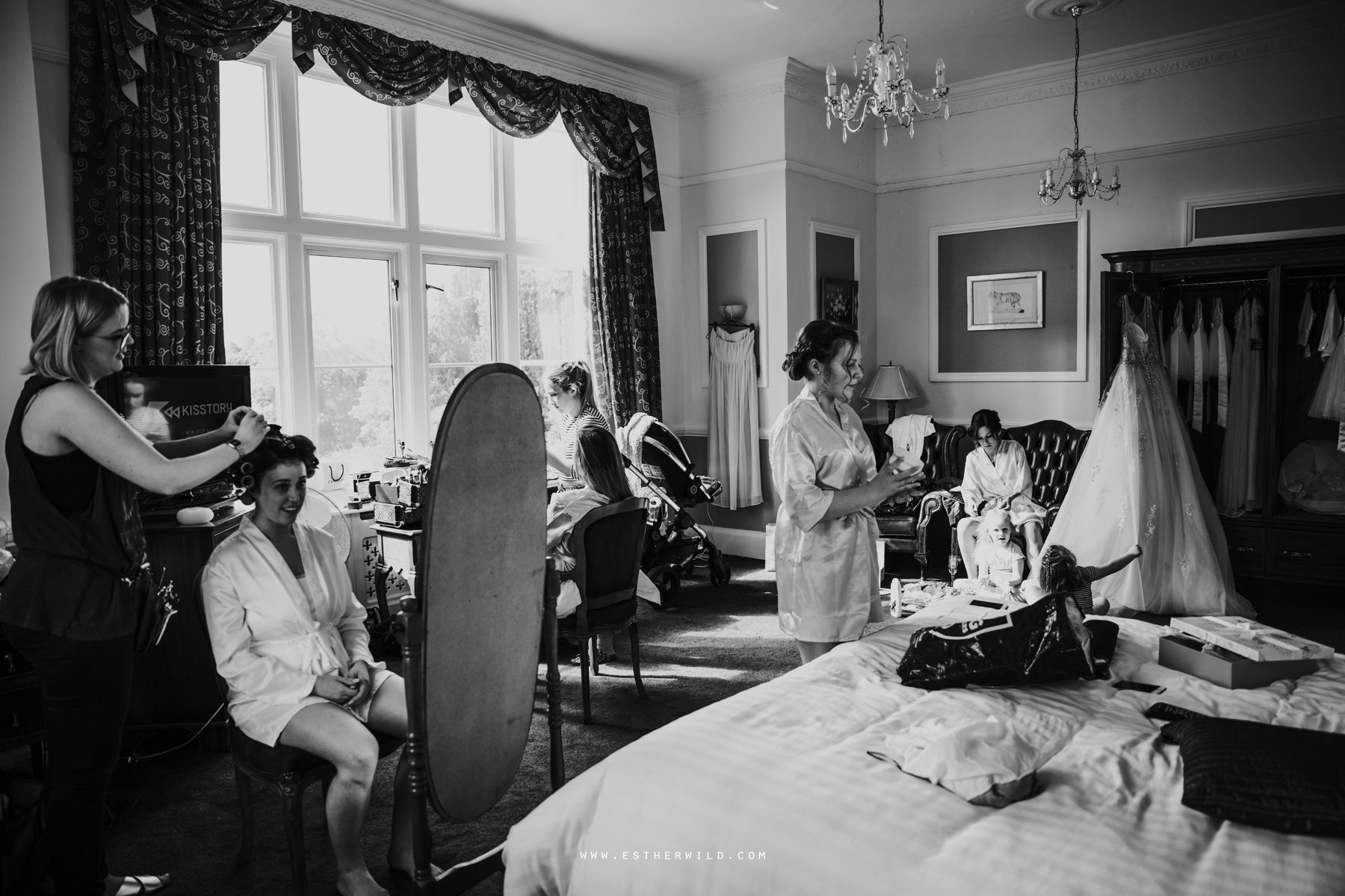 Lynford_Hall_Wedding_Thetford_Mundford_Esther_Wild_Photographer_IMG_0068-2.jpg