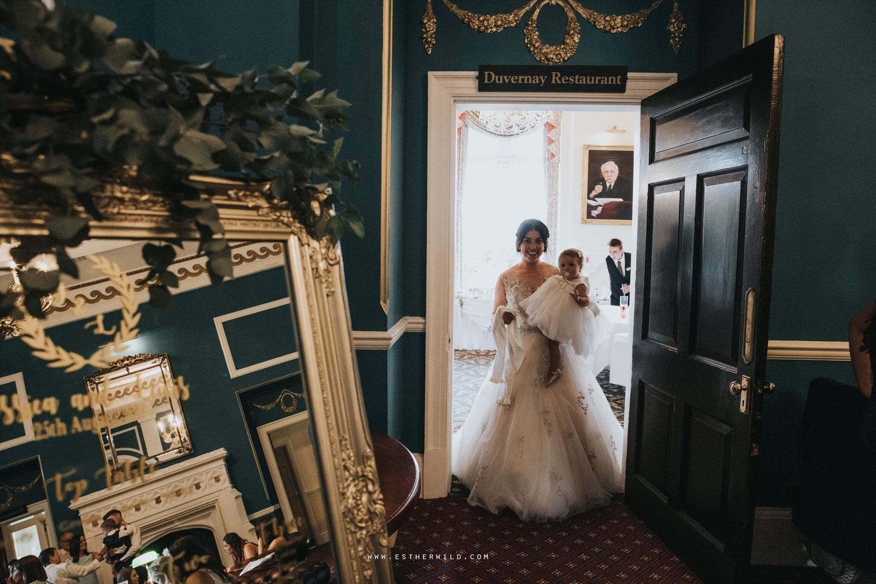 Lynford_Hall_Wedding_Thetford_Mundford_Esther_Wild_Photographer_IMG_3004.jpg