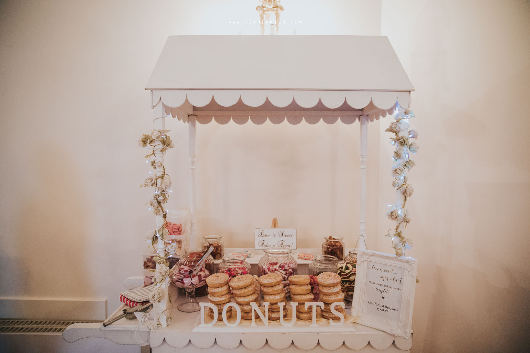 Lynford_Hall_Wedding_Thetford_Mundford_Esther_Wild_Photographer_IMG_3120.jpg