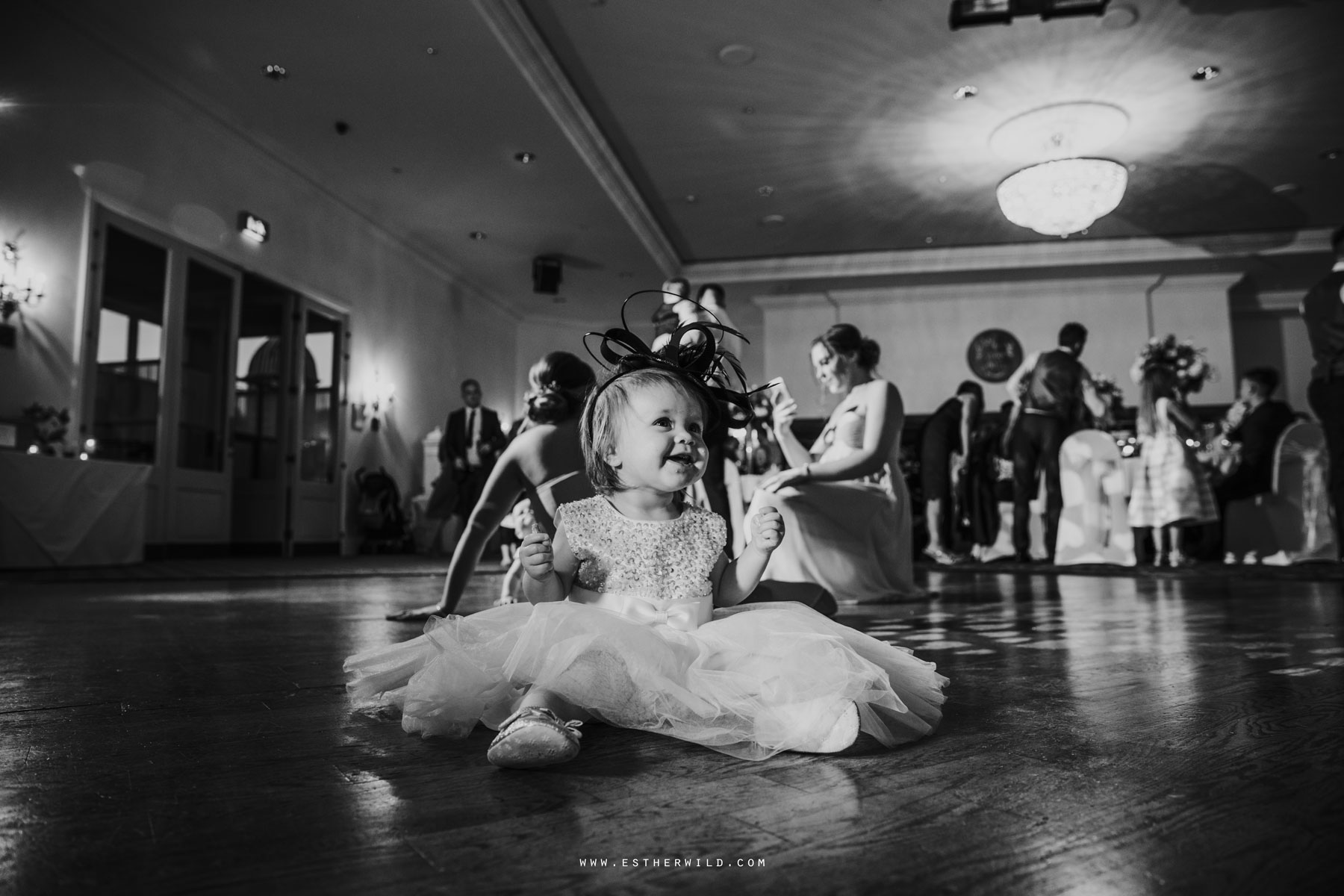 Lynford_Hall_Wedding_Thetford_Mundford_Esther_Wild_Photographer_IMG_3409-2.jpg