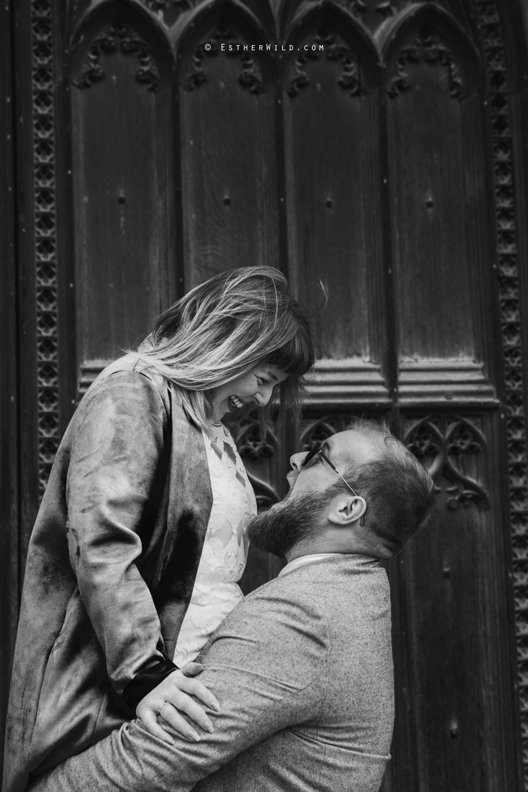 Norwich_Cathedral_Photo_Session_Engagement_Love_Pre-Wedding_IMG_3573-1.jpg