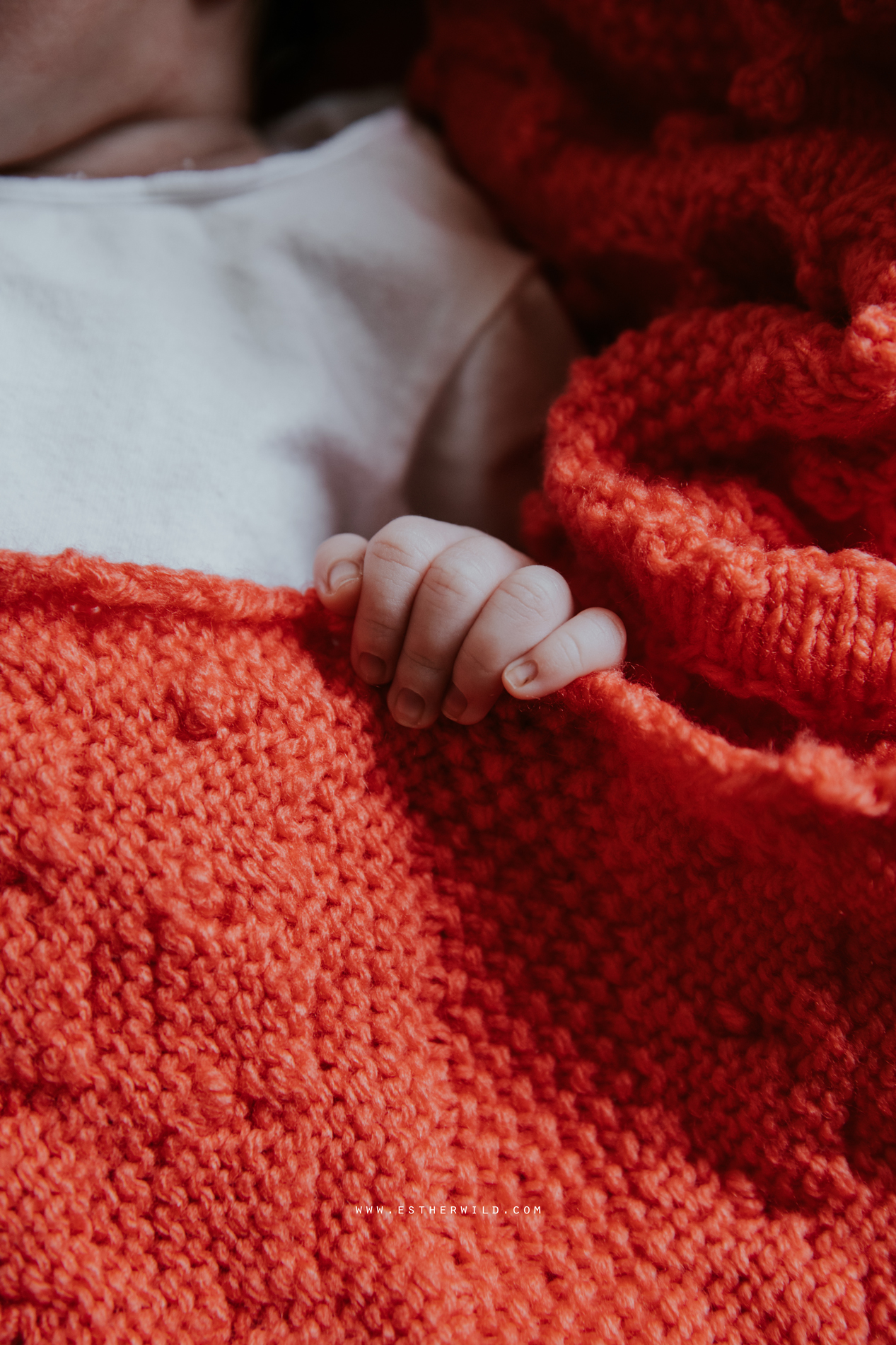 Newborn_Family_Photographer_London_Home_Lifestyle_Norfolk_3R8A4102.jpg
