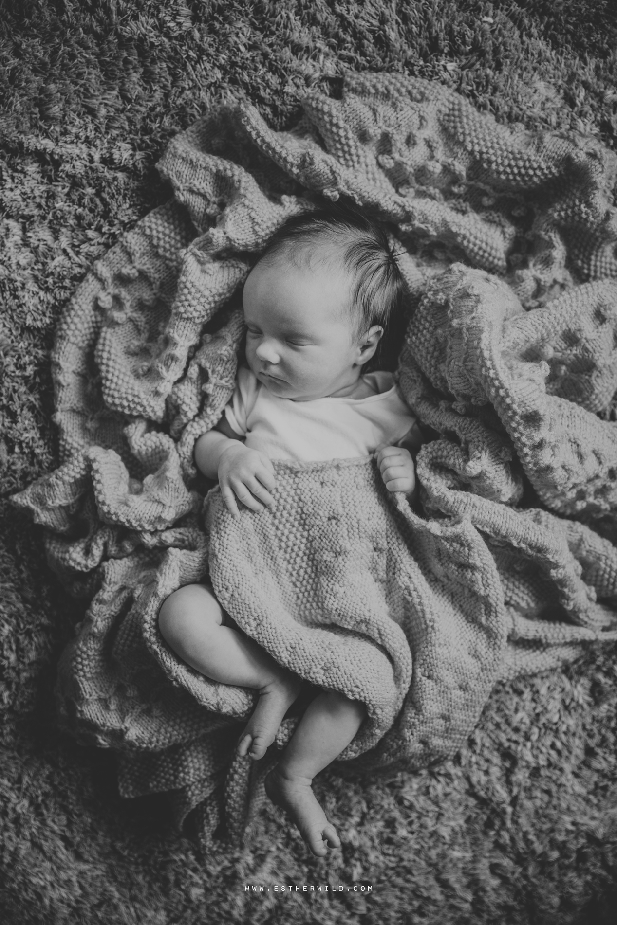 Newborn_Family_Photographer_London_Home_Lifestyle_Norfolk_3R8A4111-2.jpg
