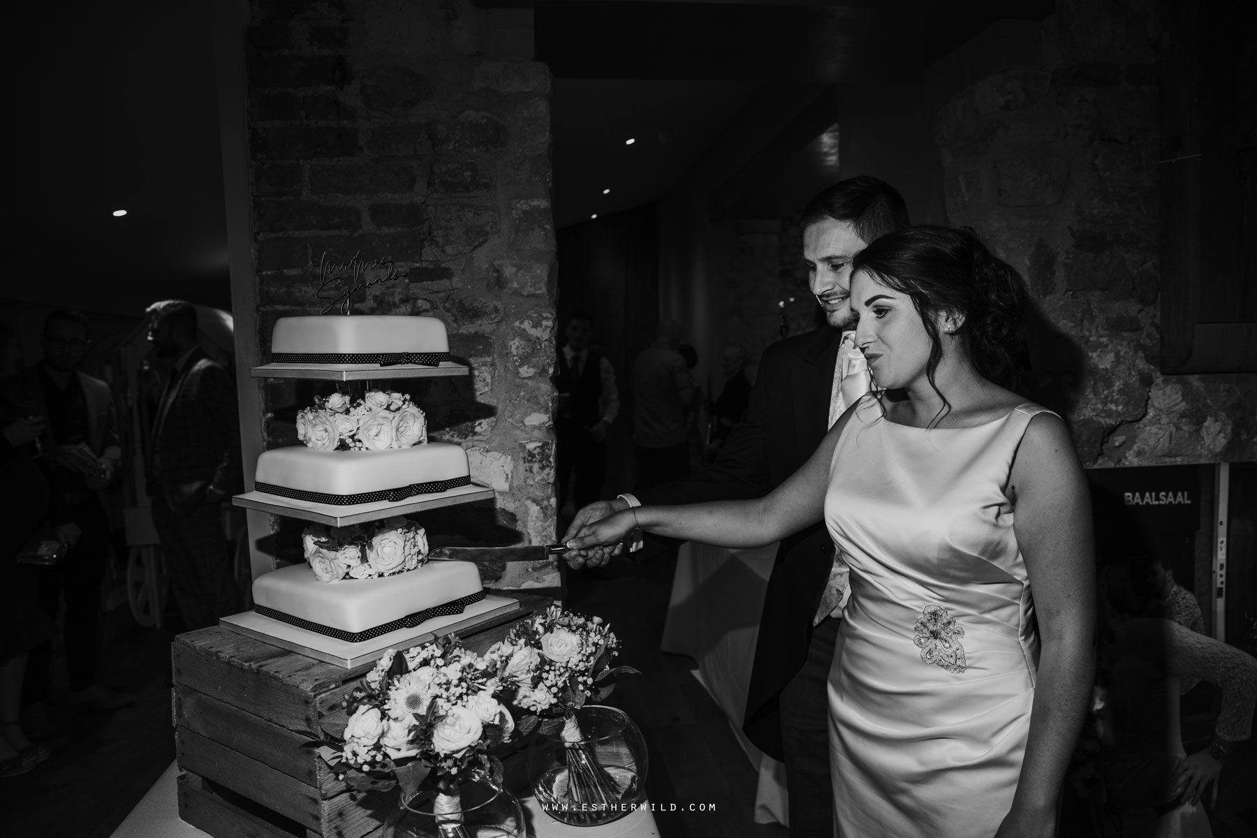 IMG_2247-2_Pentney_Abbey_Wedding_Norfolk.jpg