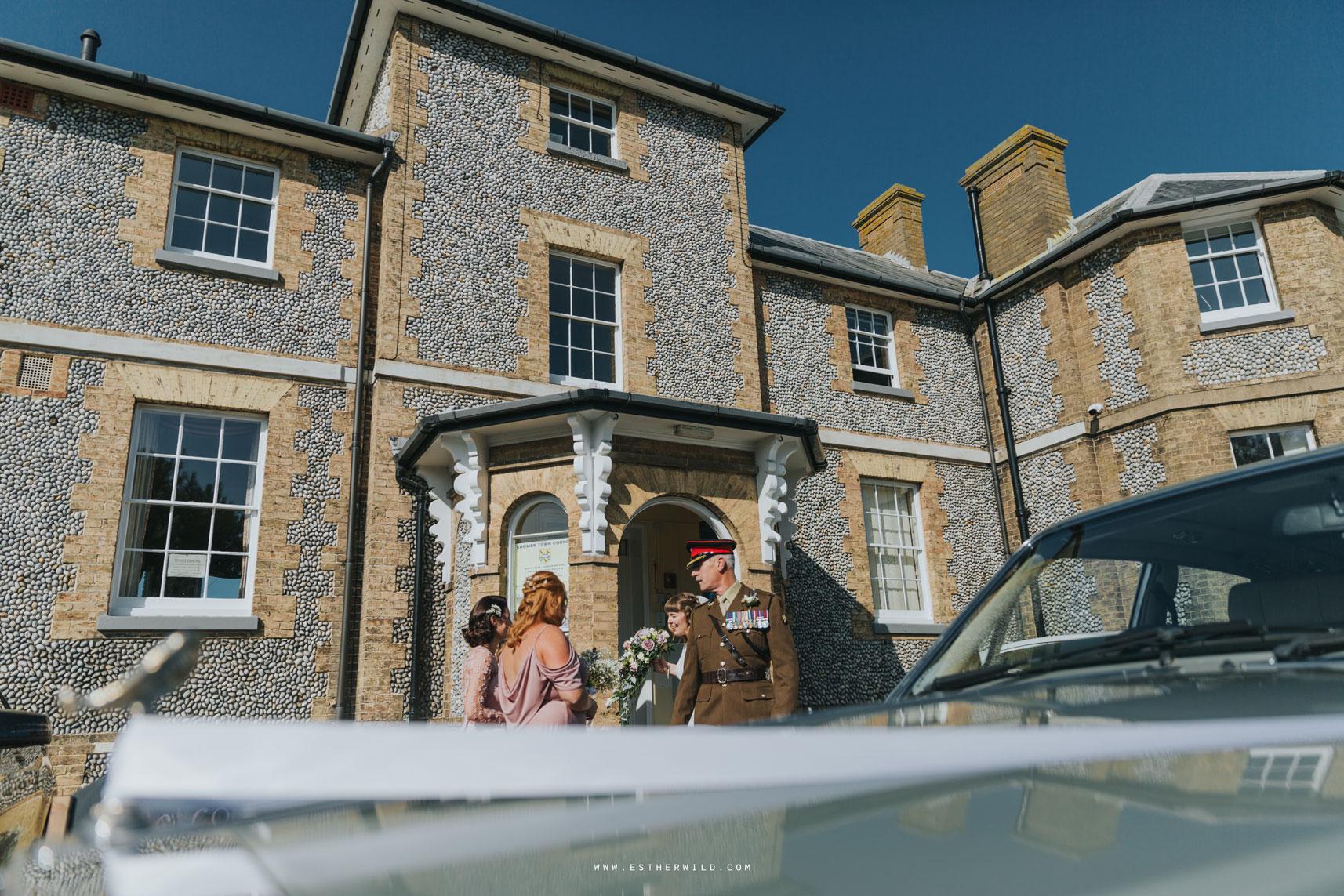 Cromer_Wedding_Beach_Outdoor_Ceremony_Norfolk_North_Lodge_Registry_Office_Rocket_House_Cafe_Cromer_Pier_IMG_3593_IMGL7806.jpg