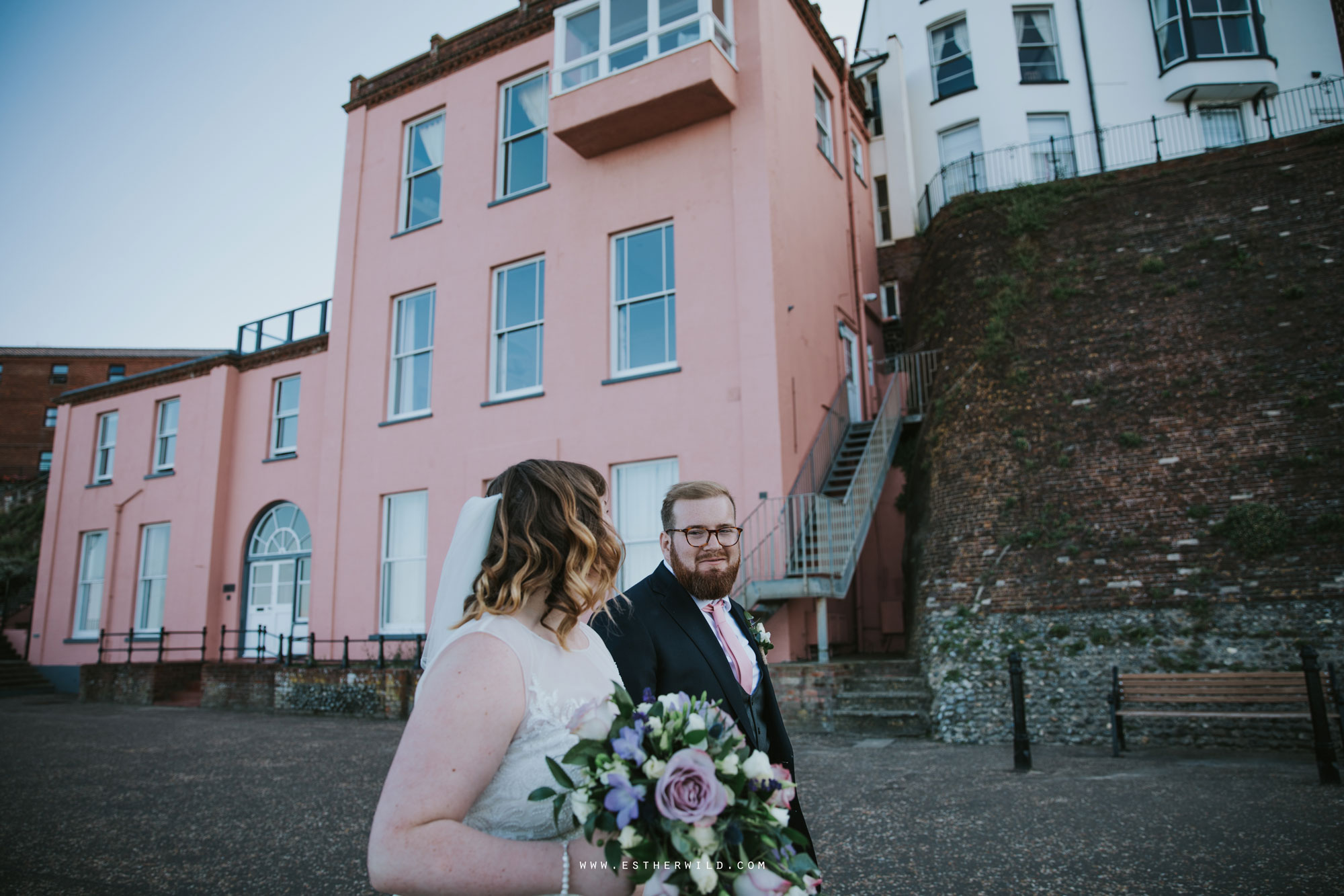 Cromer_Wedding_Beach_Outdoor_Ceremony_Norfolk_North_Lodge_Registry_Office_Rocket_House_Cafe_Cromer_Pier_IMG_4578.jpg