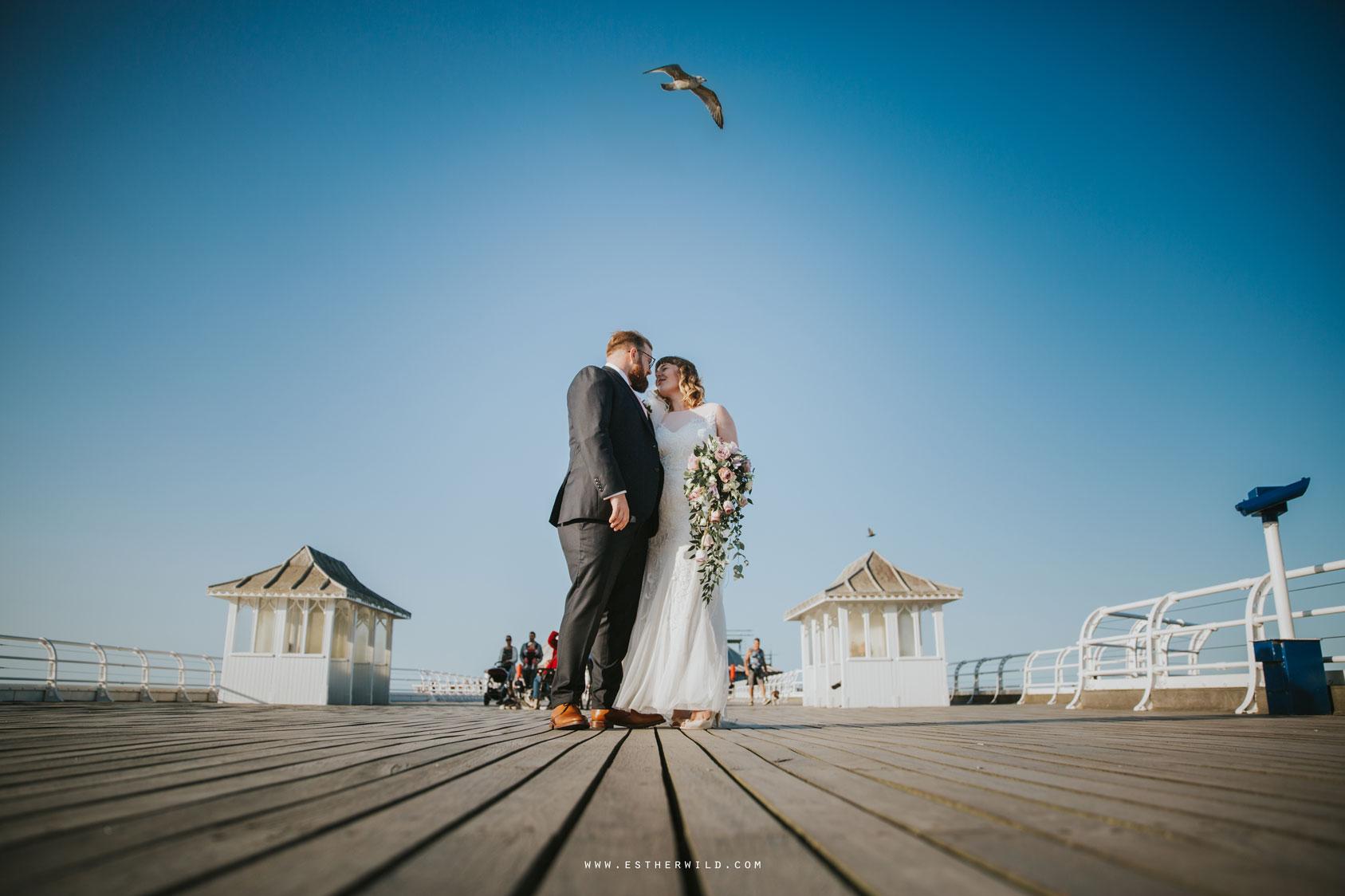 Cromer_Wedding_Beach_Outdoor_Ceremony_Norfolk_North_Lodge_Registry_Office_Rocket_House_Cafe_Cromer_Pier_IMG_4599_IMGL8388.jpg