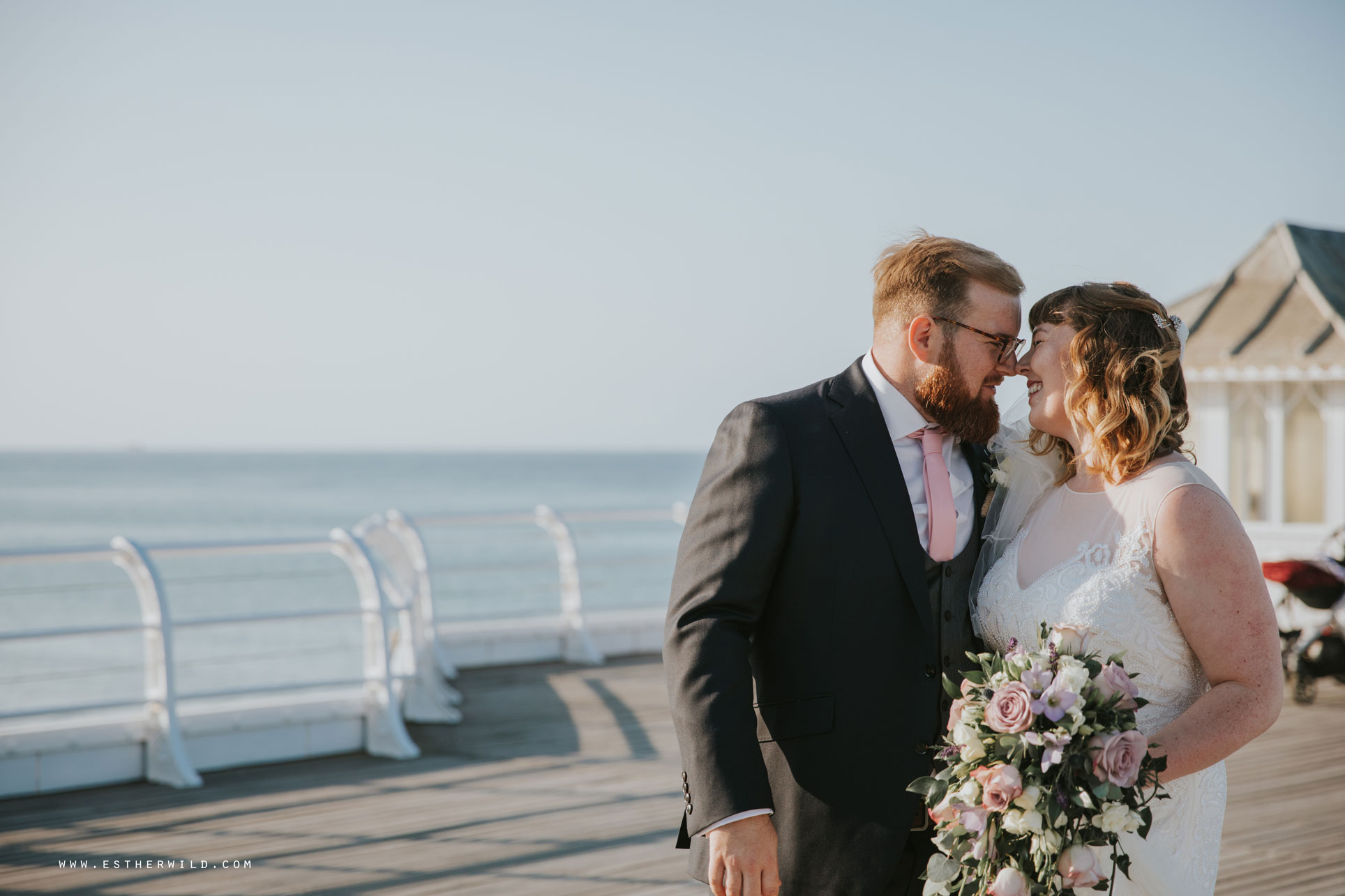 Cromer_Wedding_Beach_Outdoor_Ceremony_Norfolk_North_Lodge_Registry_Office_Rocket_House_Cafe_Cromer_Pier_IMG_4616.jpg