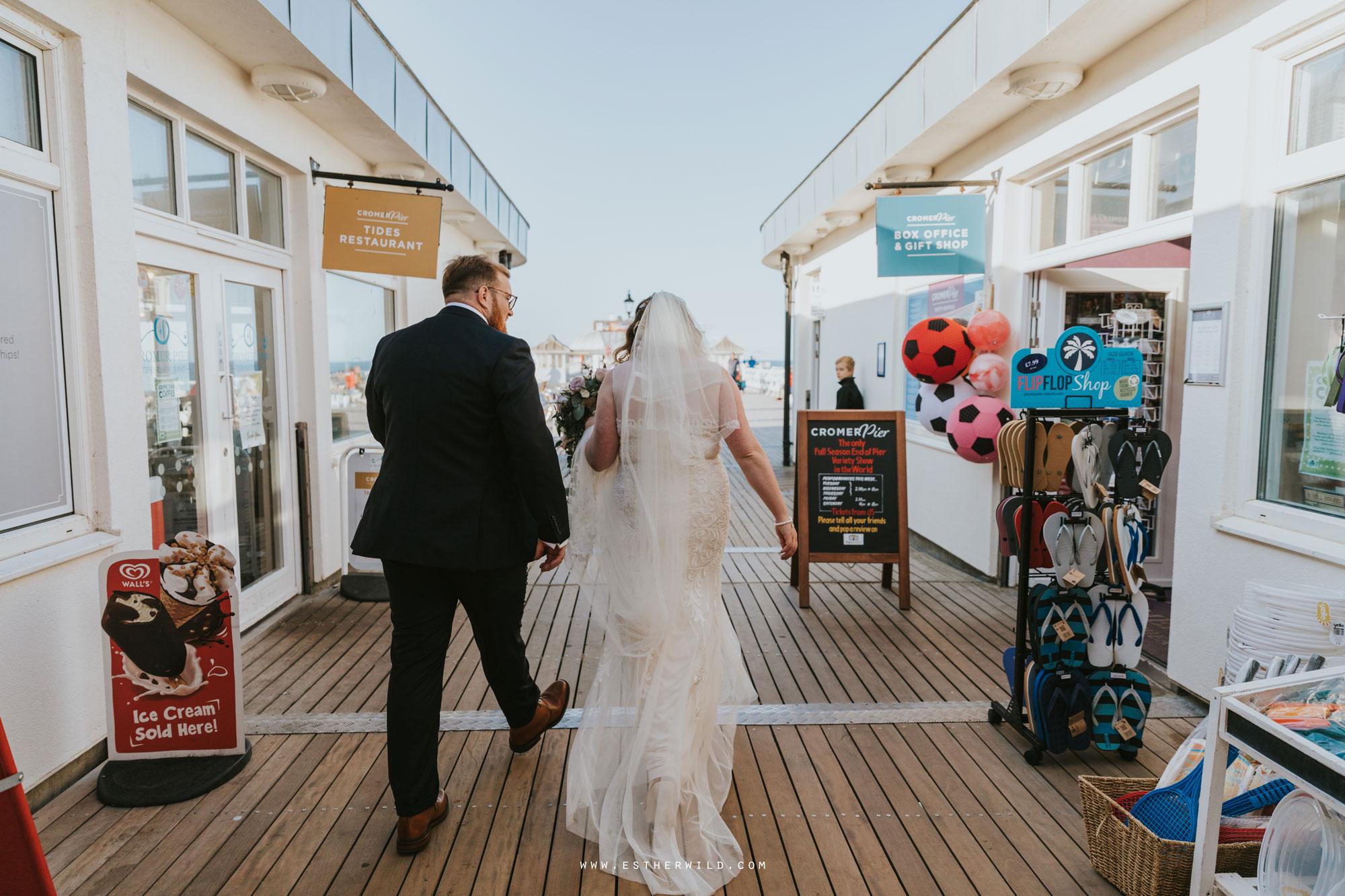 Cromer_Wedding_Beach_Outdoor_Ceremony_Norfolk_North_Lodge_Registry_Office_Rocket_House_Cafe_Cromer_Pier_IMG_4589.jpg
