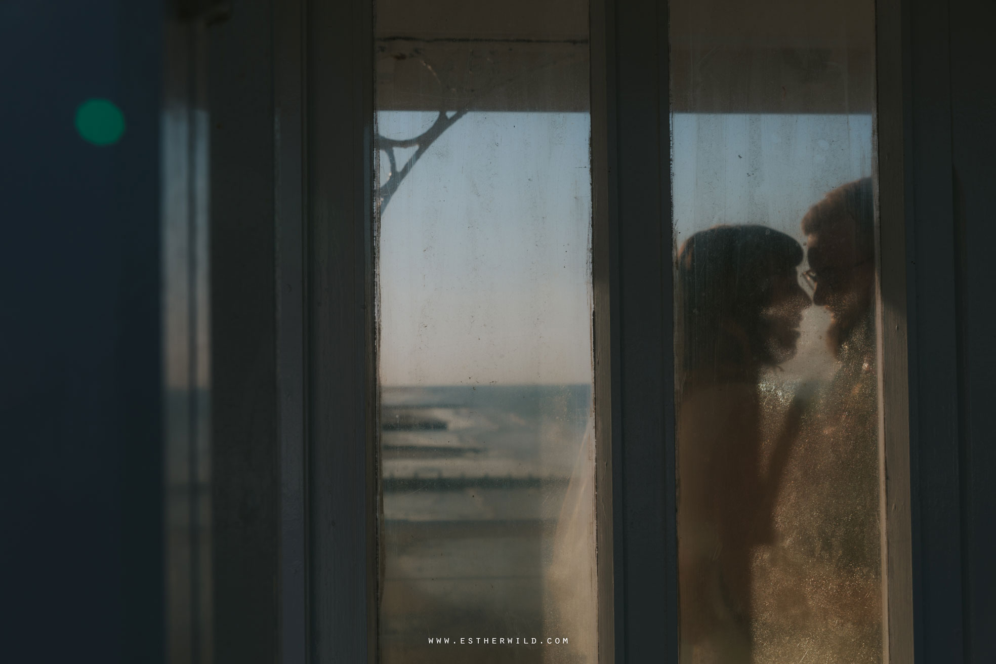 Cromer_Wedding_Beach_Outdoor_Ceremony_Norfolk_North_Lodge_Registry_Office_Rocket_House_Cafe_Cromer_Pier_IMG_4648.jpg