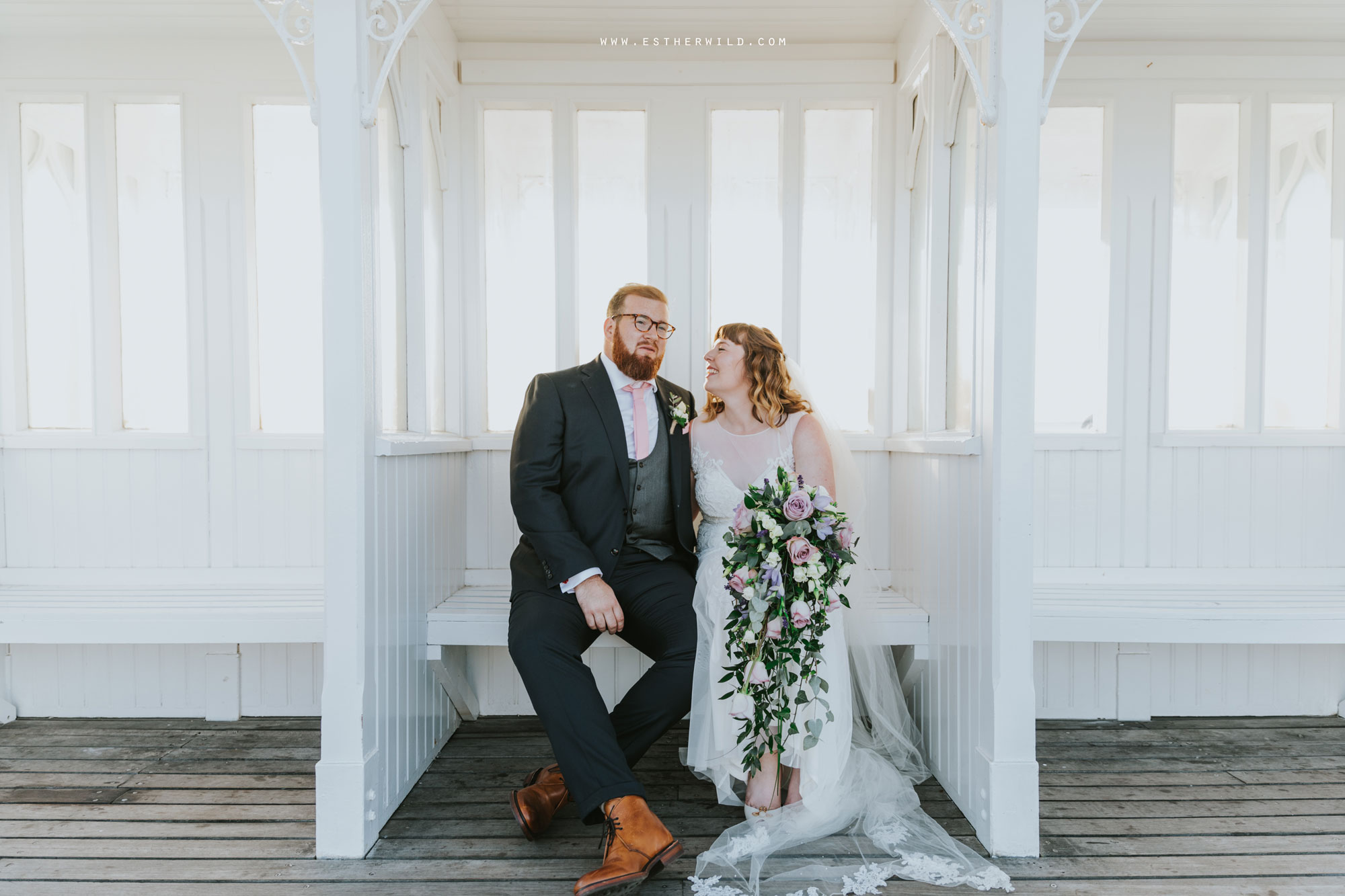 Cromer_Wedding_Beach_Outdoor_Ceremony_Norfolk_North_Lodge_Registry_Office_Rocket_House_Cafe_Cromer_Pier_IMG_4635.jpg