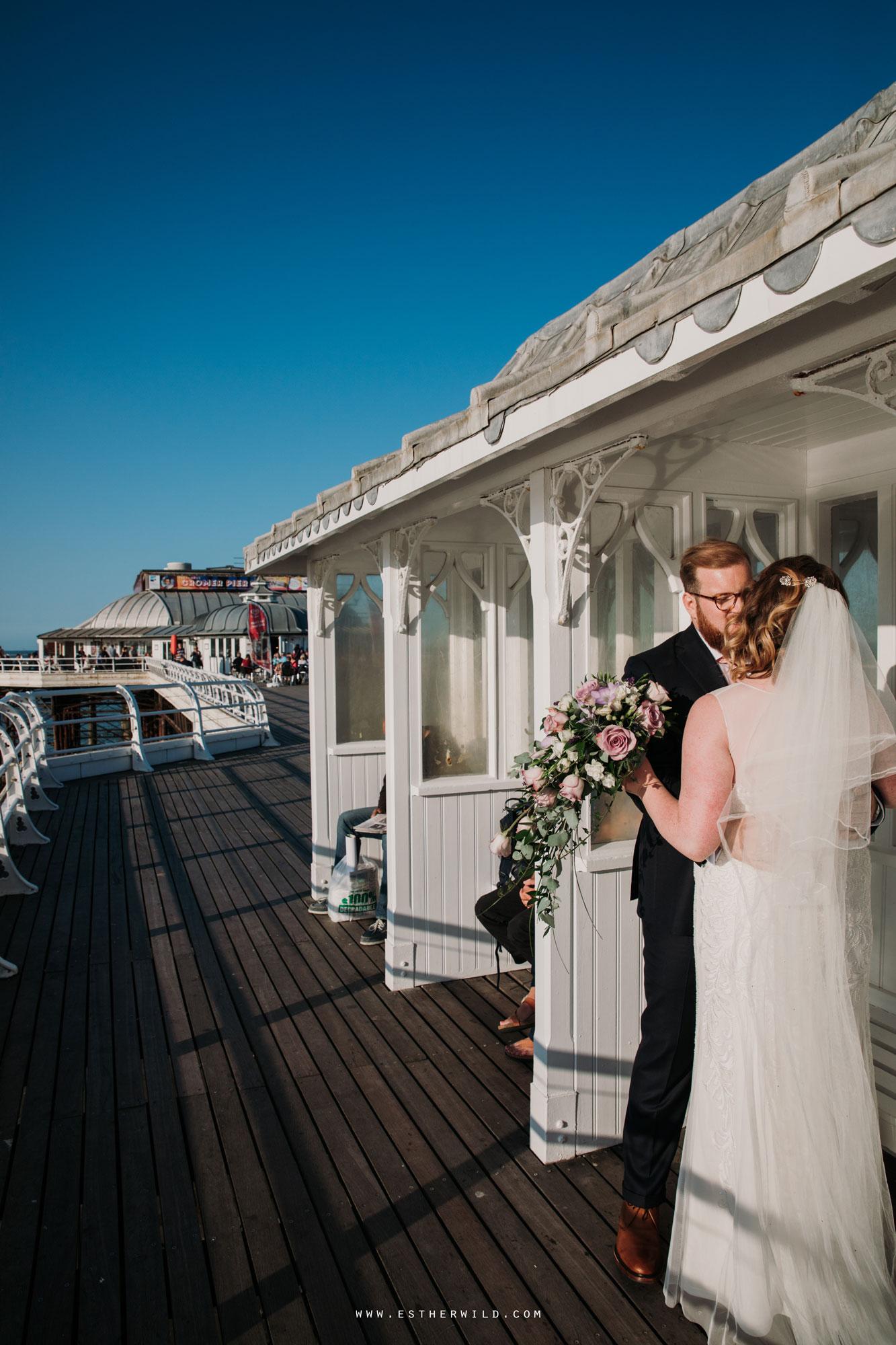 Cromer_Wedding_Beach_Outdoor_Ceremony_Norfolk_North_Lodge_Registry_Office_Rocket_House_Cafe_Cromer_Pier_IMG_4654.jpg