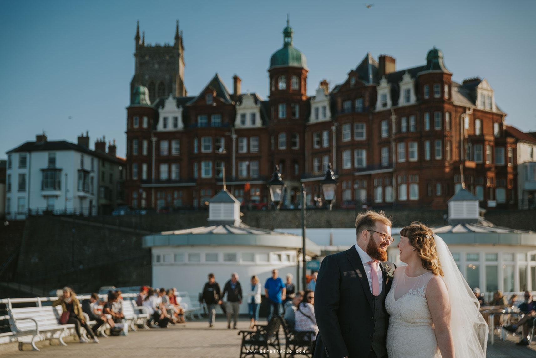 Cromer_Wedding_Beach_Outdoor_Ceremony_Norfolk_North_Lodge_Registry_Office_Rocket_House_Cafe_Cromer_Pier_IMG_4655_IMGL8403.jpg