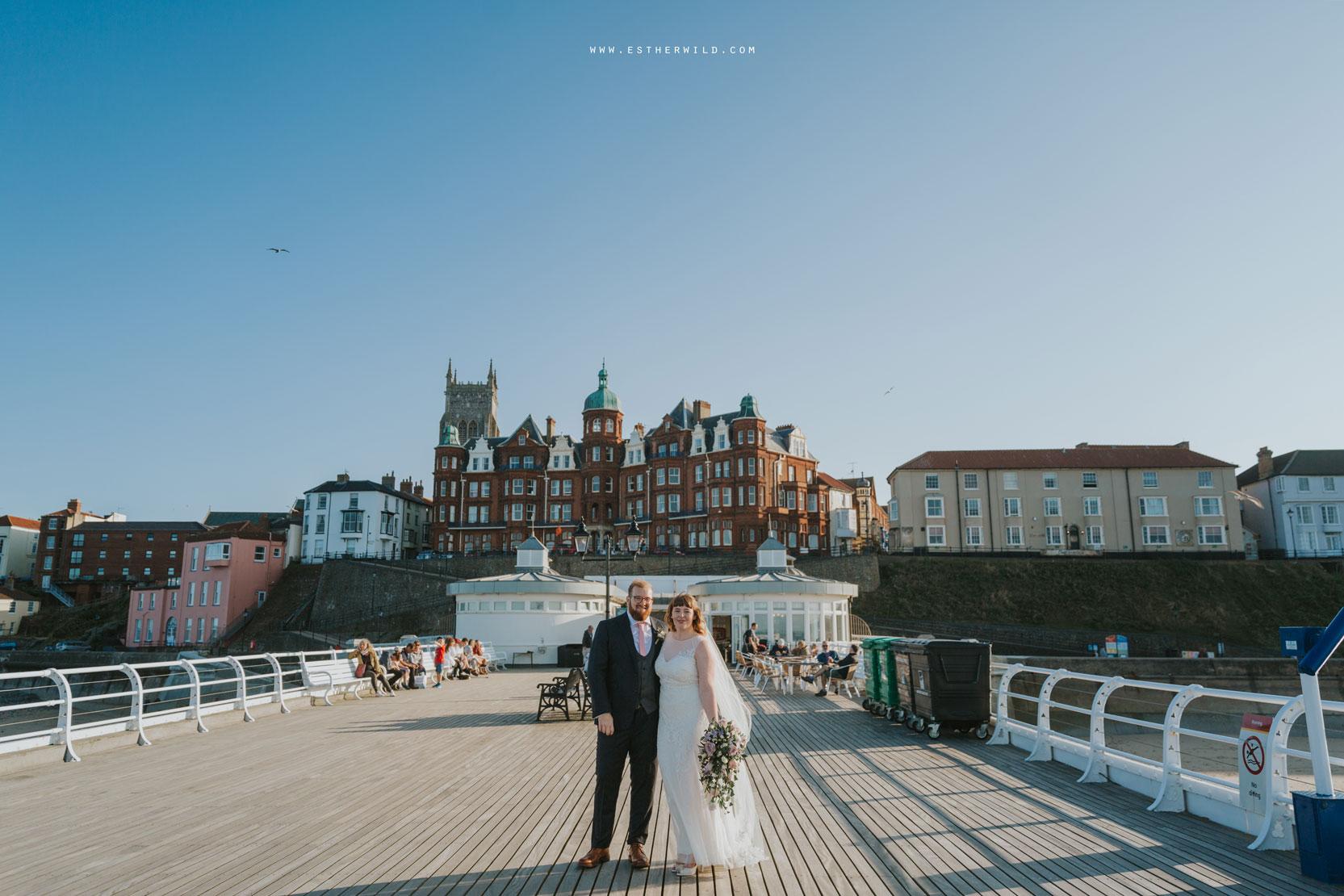 Cromer_Wedding_Beach_Outdoor_Ceremony_Norfolk_North_Lodge_Registry_Office_Rocket_House_Cafe_Cromer_Pier_IMG_4655_IMGL8399.jpg