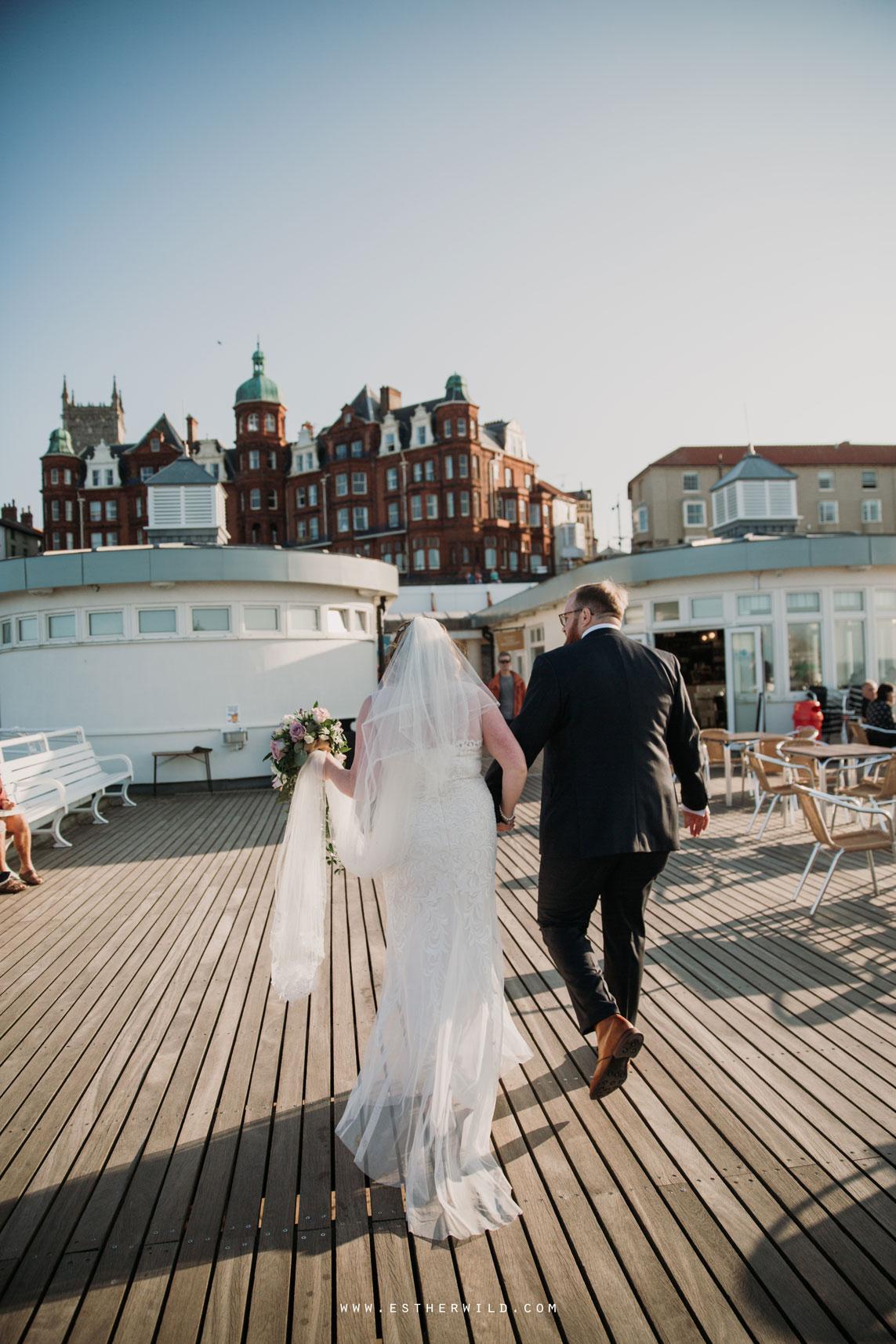 Cromer_Wedding_Beach_Outdoor_Ceremony_Norfolk_North_Lodge_Registry_Office_Rocket_House_Cafe_Cromer_Pier_IMG_4688_IMGL8410.jpg