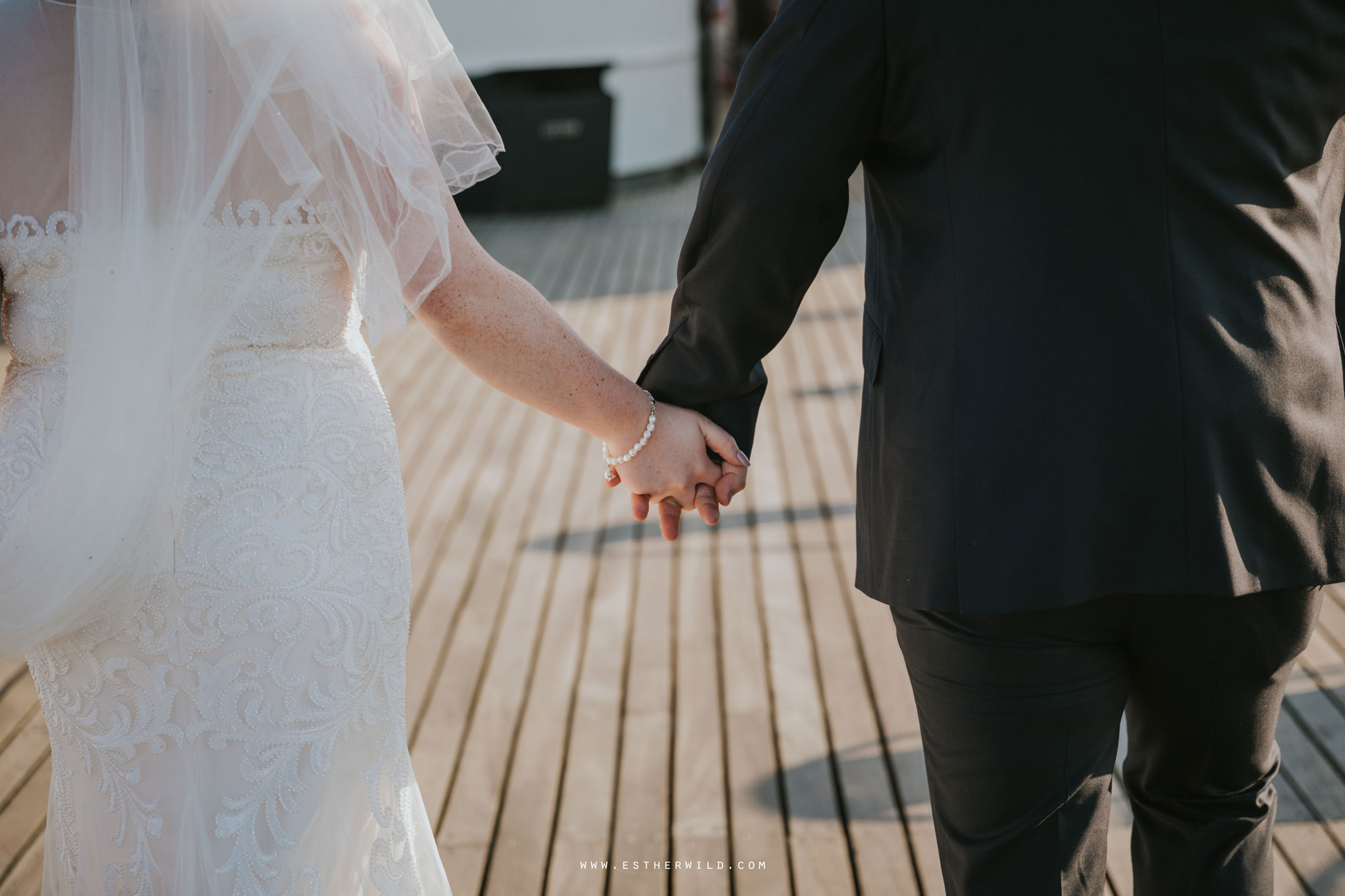 Cromer_Wedding_Beach_Outdoor_Ceremony_Norfolk_North_Lodge_Registry_Office_Rocket_House_Cafe_Cromer_Pier_IMG_4687.jpg