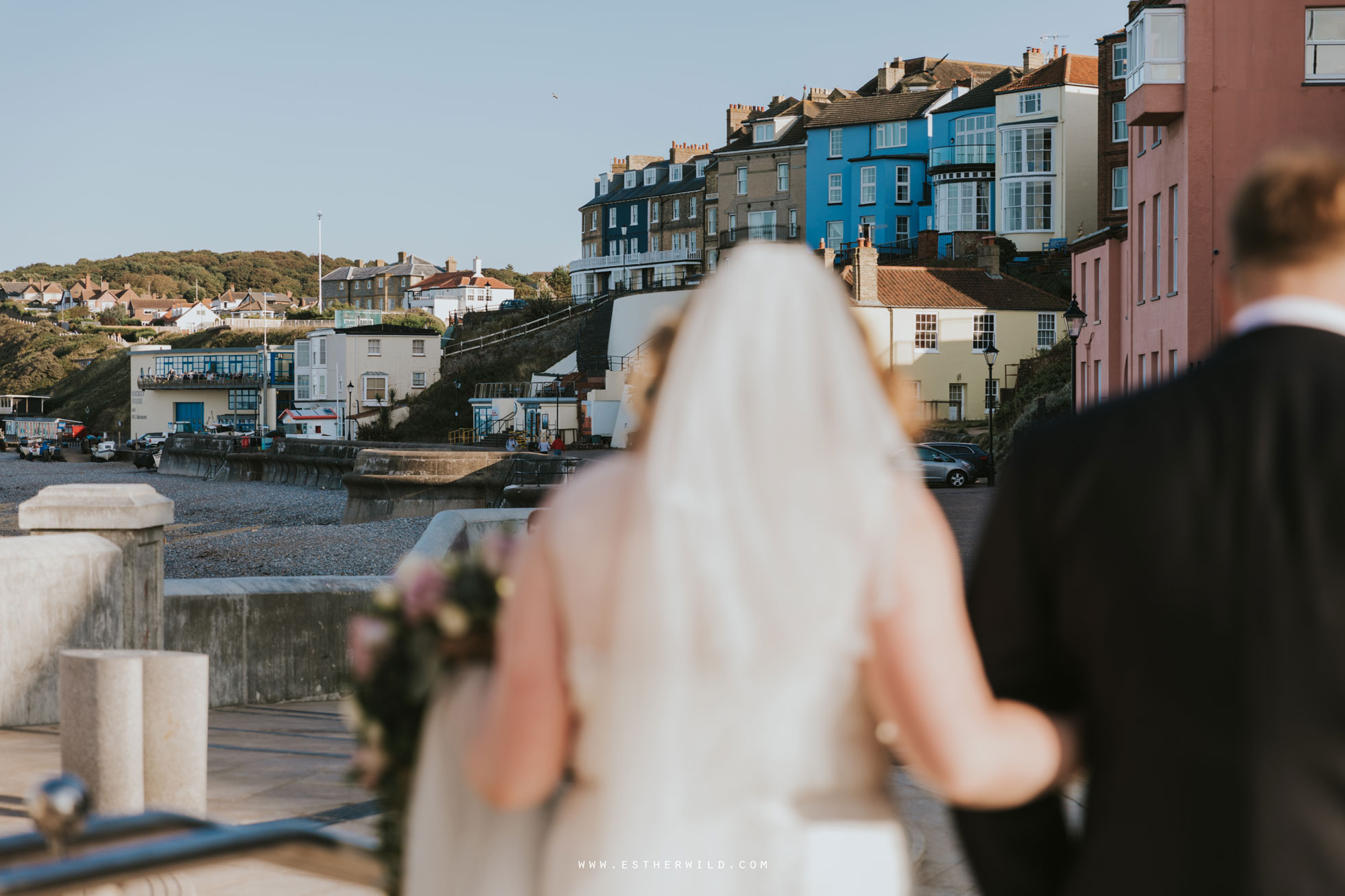 Cromer_Wedding_Beach_Outdoor_Ceremony_Norfolk_North_Lodge_Registry_Office_Rocket_House_Cafe_Cromer_Pier_IMG_4697.jpg