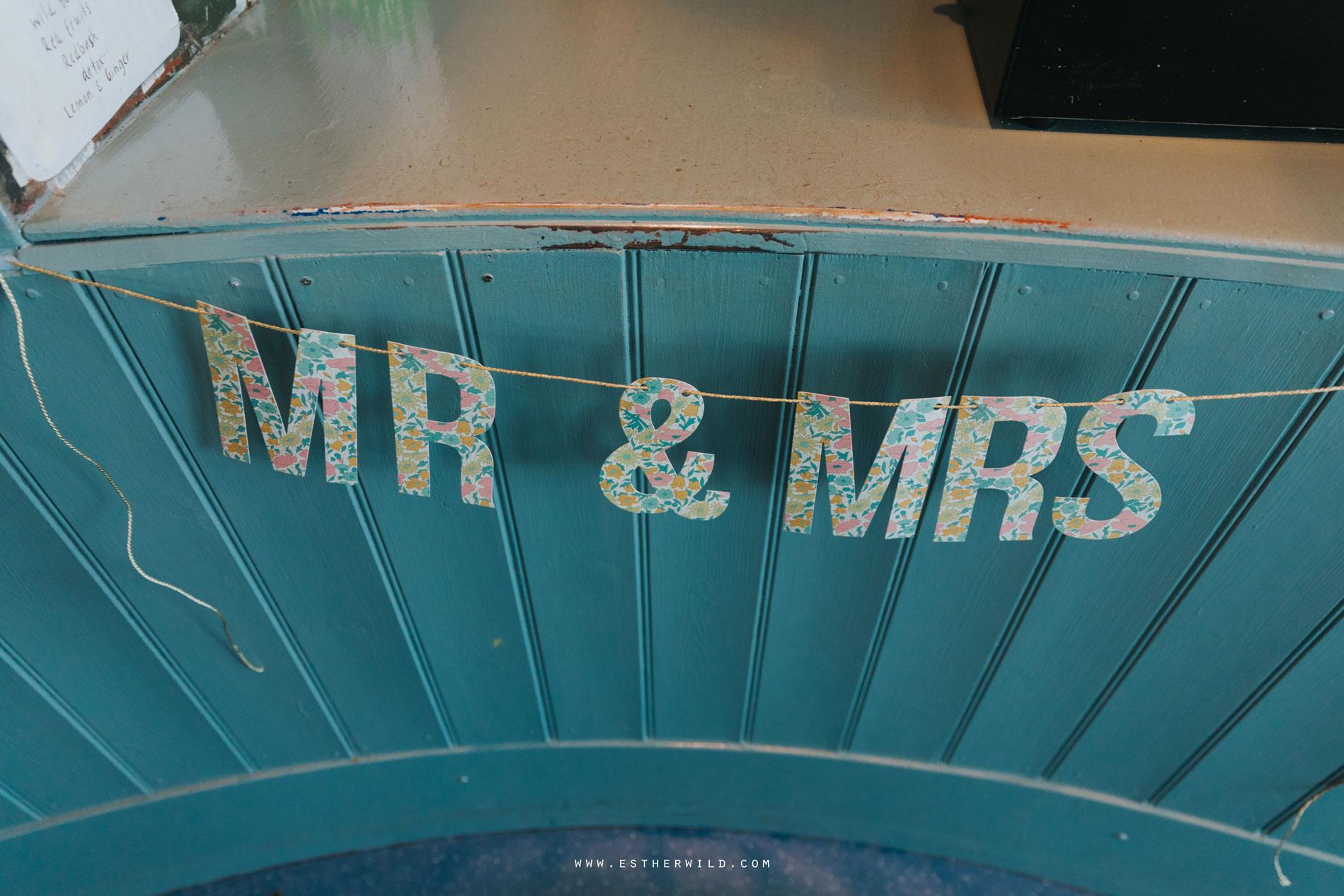 Cromer_Wedding_Beach_Outdoor_Ceremony_Norfolk_North_Lodge_Registry_Office_Rocket_House_Cafe_Cromer_Pier_IMG_4925.jpg