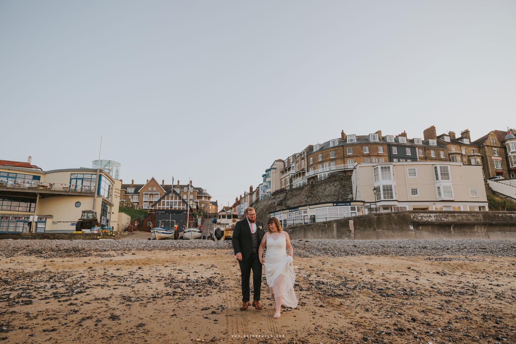 Cromer_Wedding_Beach_Outdoor_Ceremony_Norfolk_North_Lodge_Registry_Office_Rocket_House_Cafe_Cromer_Pier_IMG_4974_IMGL8500.jpg