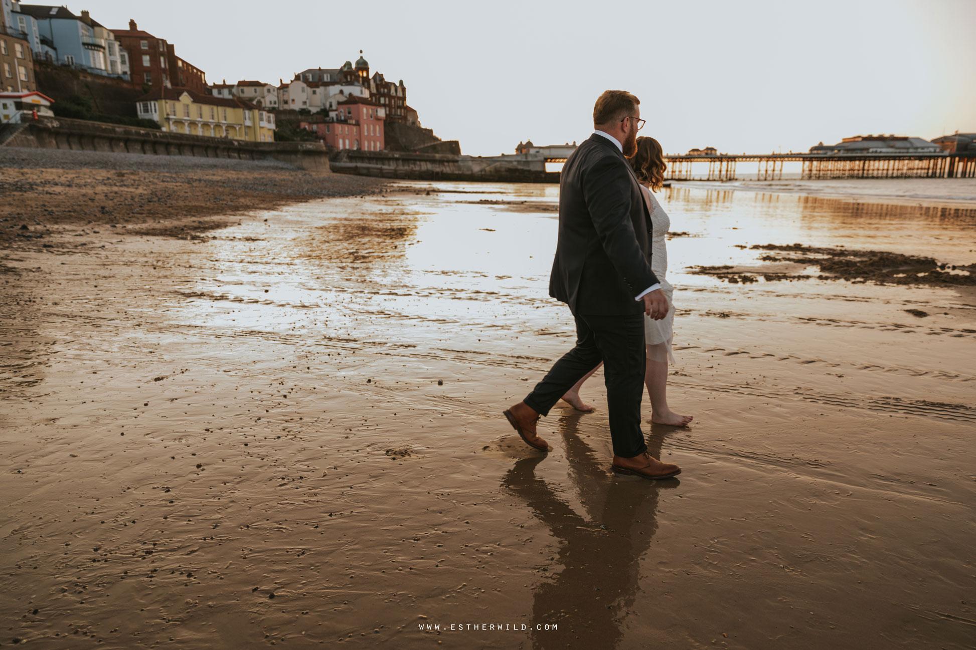 Cromer_Wedding_Beach_Outdoor_Ceremony_Norfolk_North_Lodge_Registry_Office_Rocket_House_Cafe_Cromer_Pier_IMG_4982.jpg
